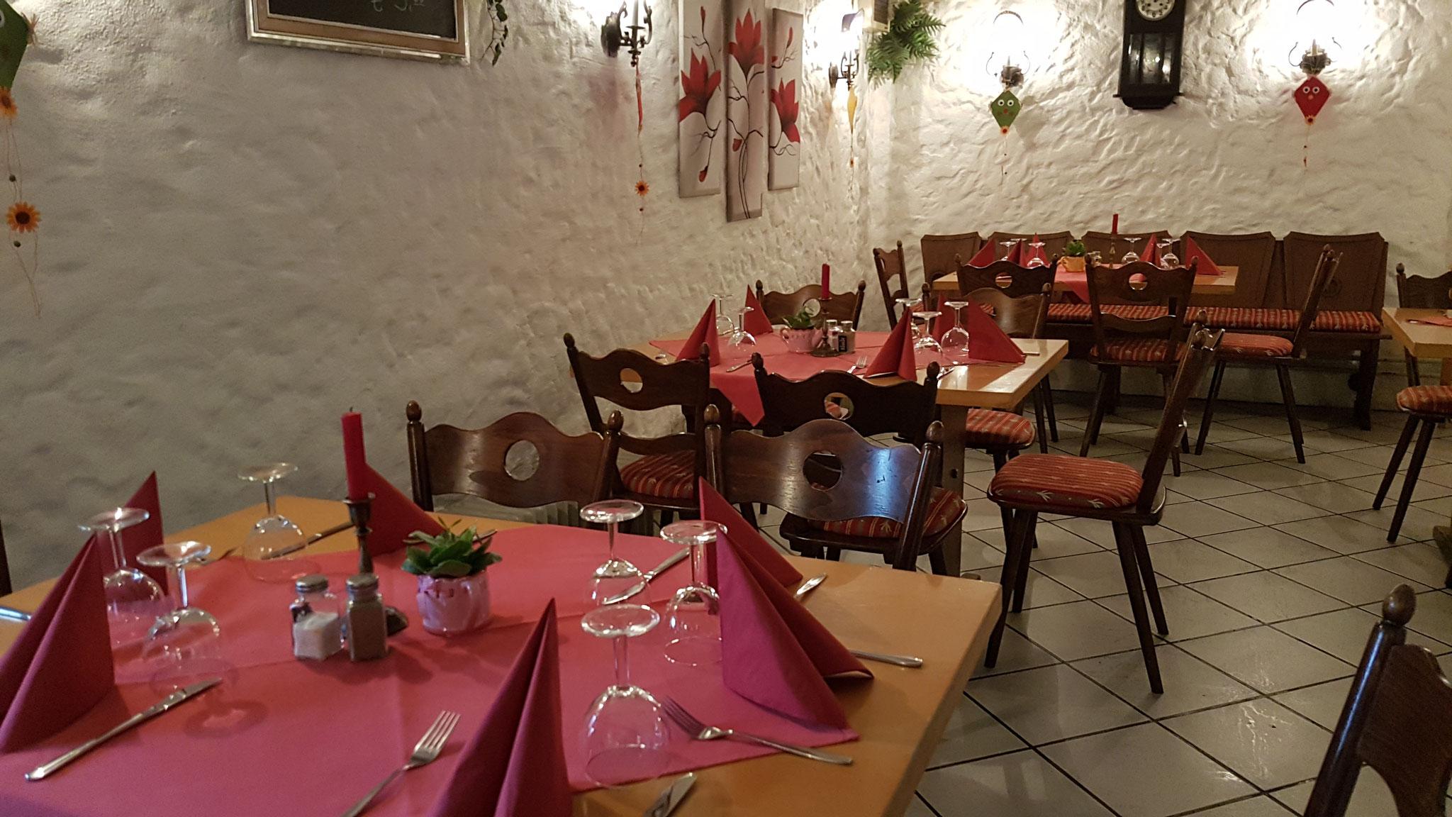 Gediegenes  Ambiente  in  Weinstube Blum Köndringen