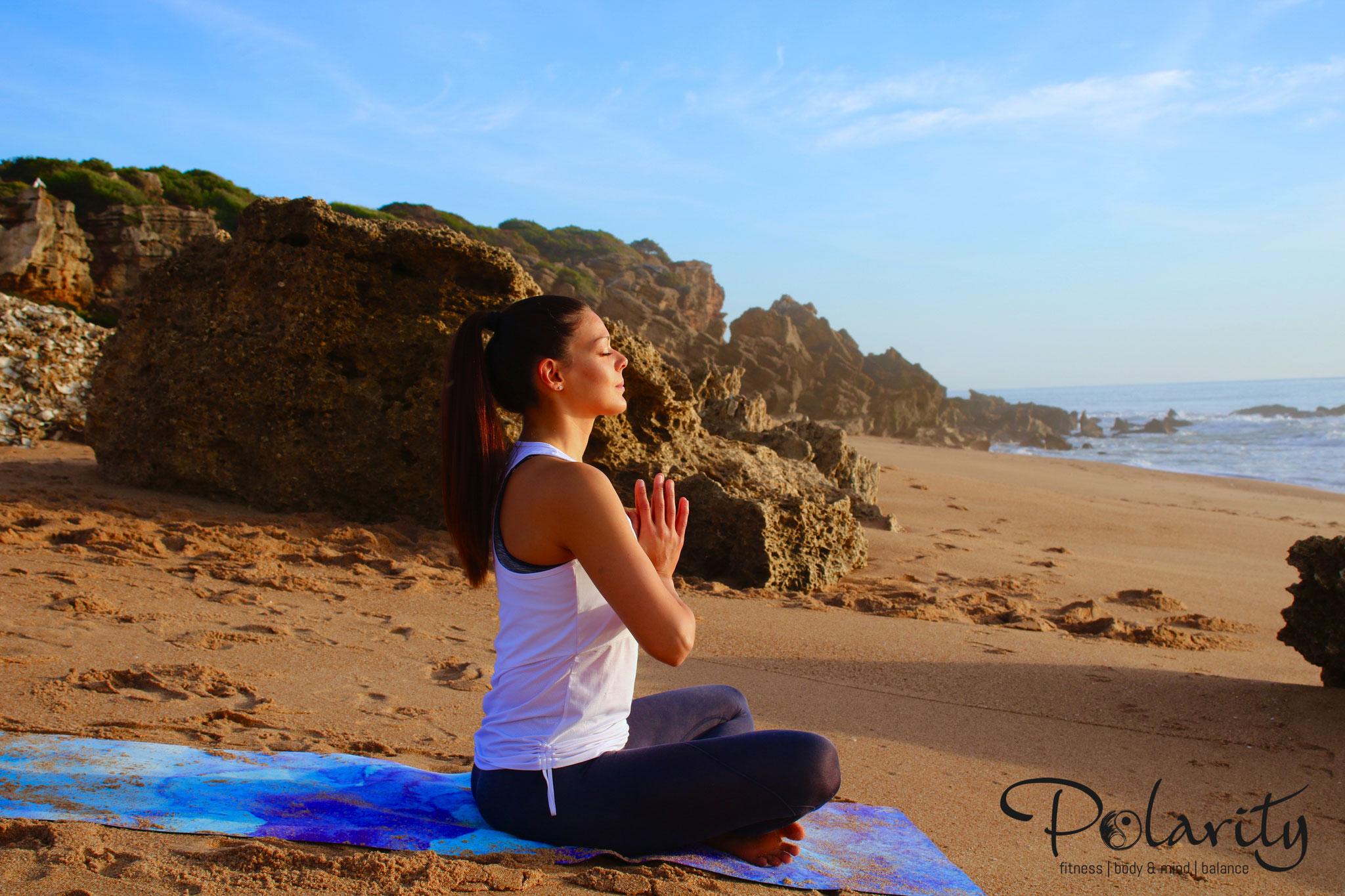 Yoga und Meditation am Meer