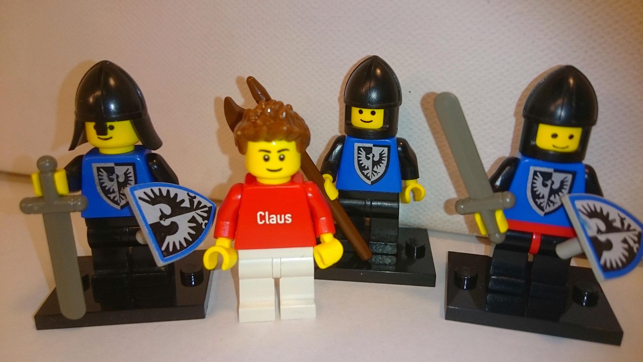 Ritter mit seitenverkehrten (linksschauenden) Falken am Brustpanzer