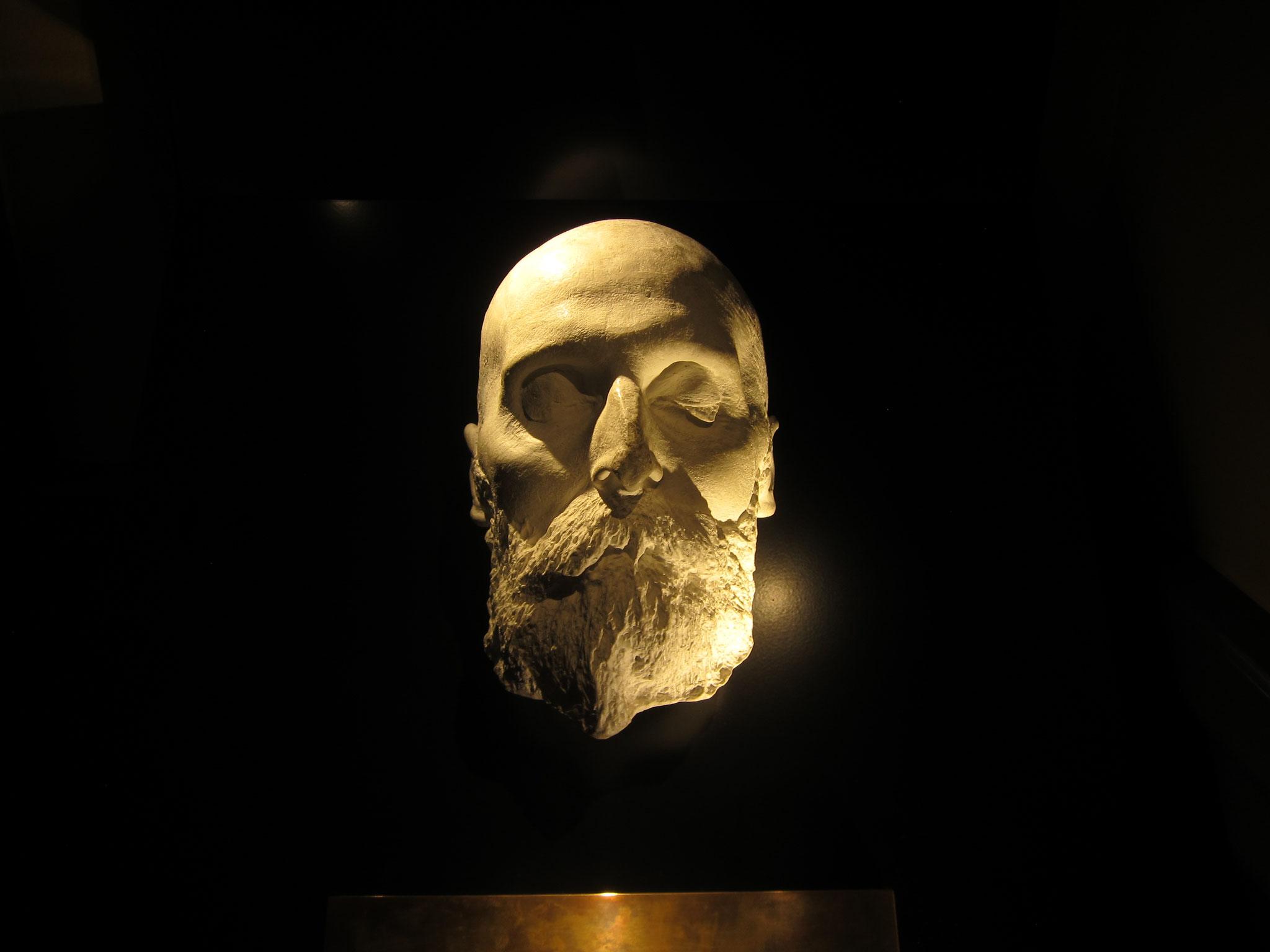 ノーベルさんのデスマスク