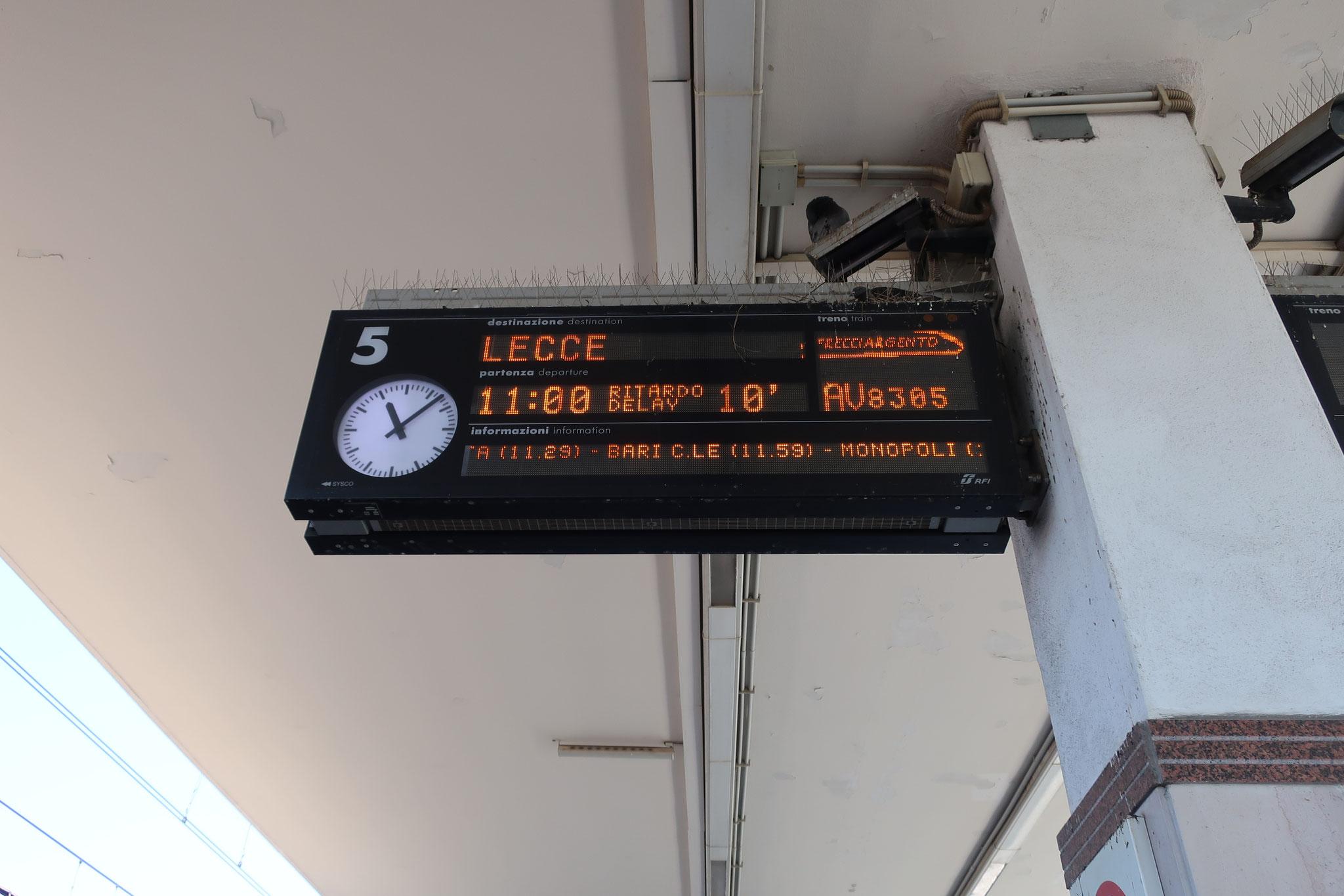 この電車はイタリアのかかとの先端まで行くようです