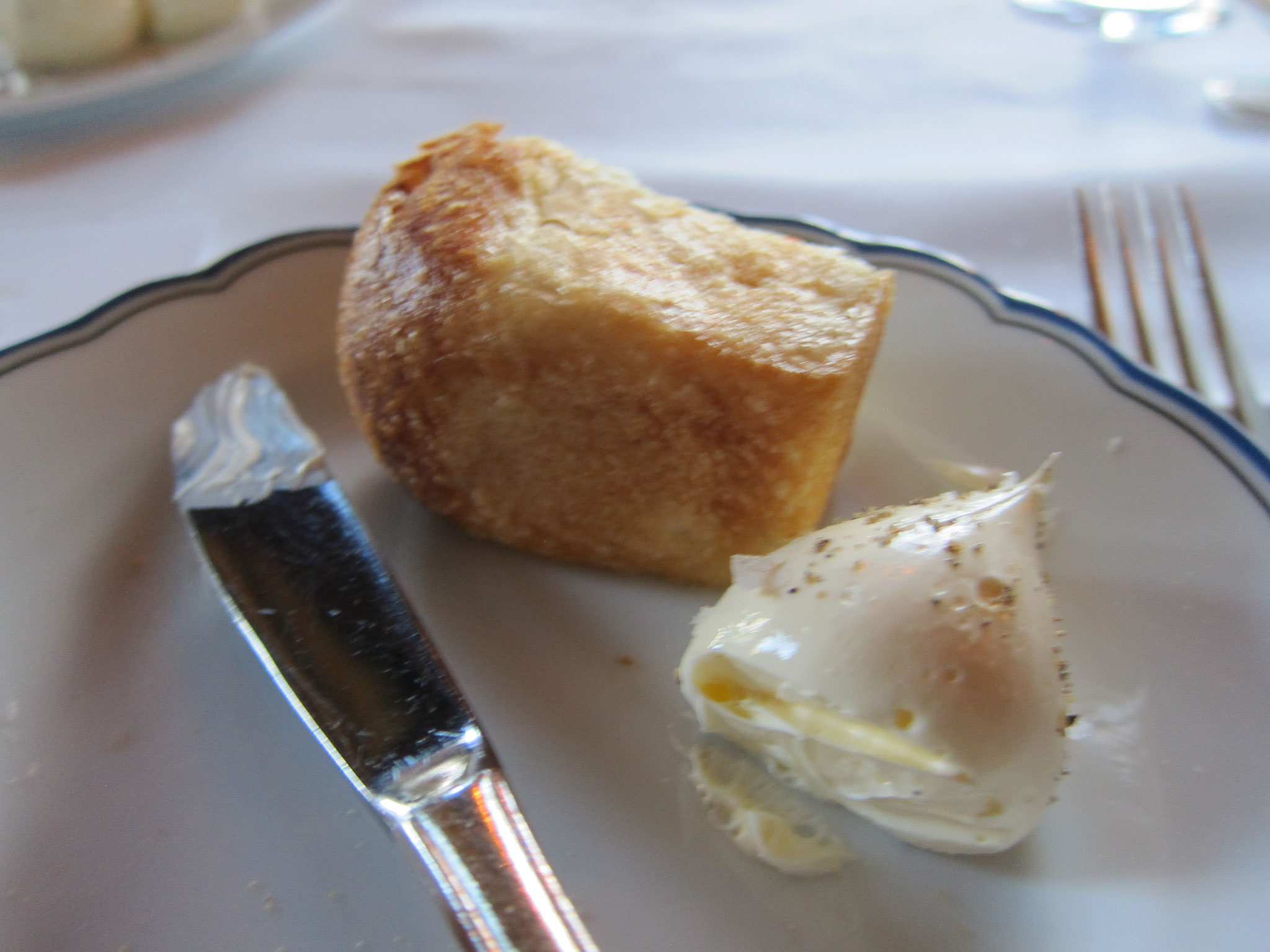 パンもカリッと焼けていて美味しいです