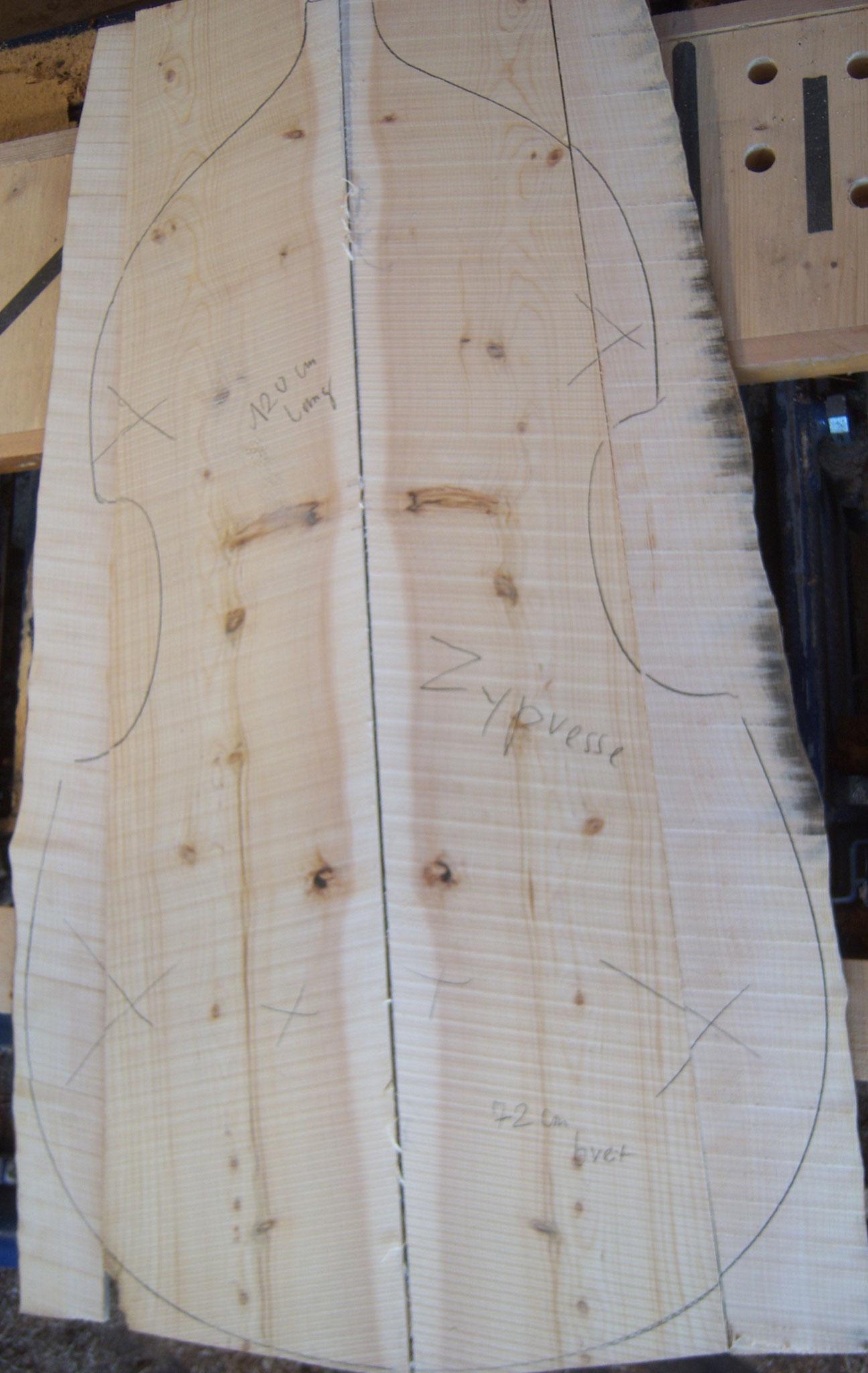 Flacher Kontrabass-Boden aus Zypresse