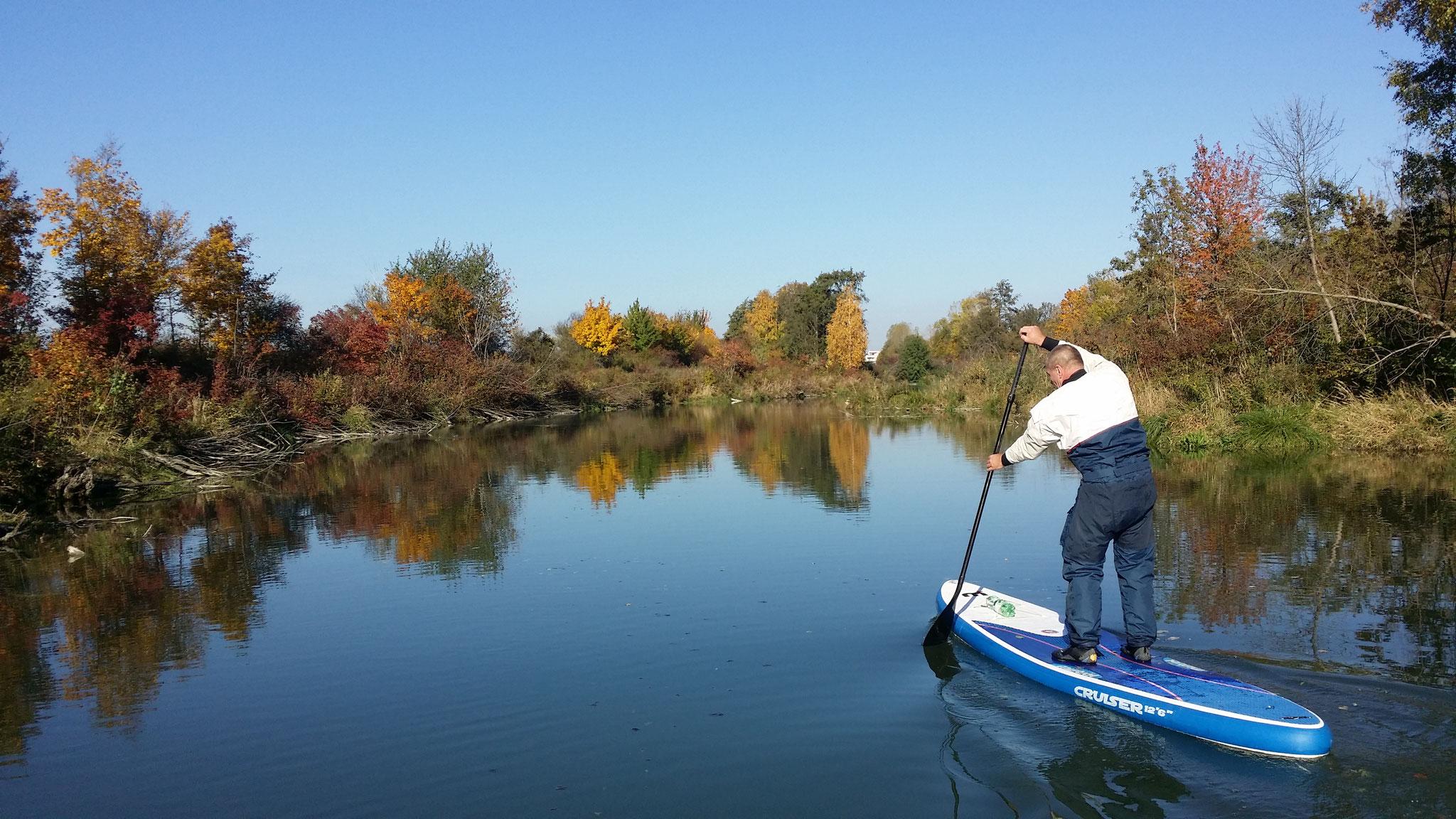 stand up paddeln im Herbst