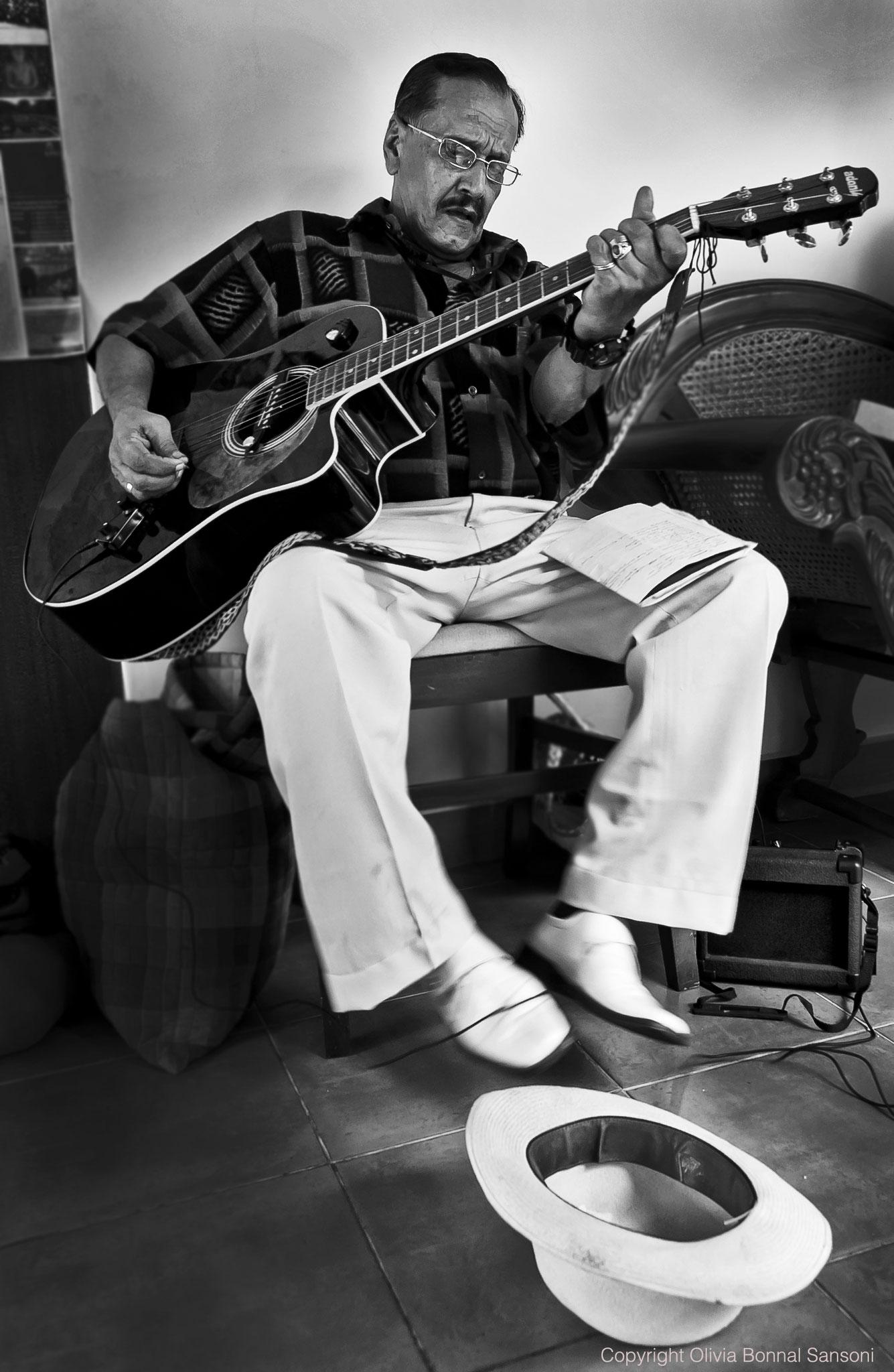 A country music fan, (Sri Lanka 2012) © OBS