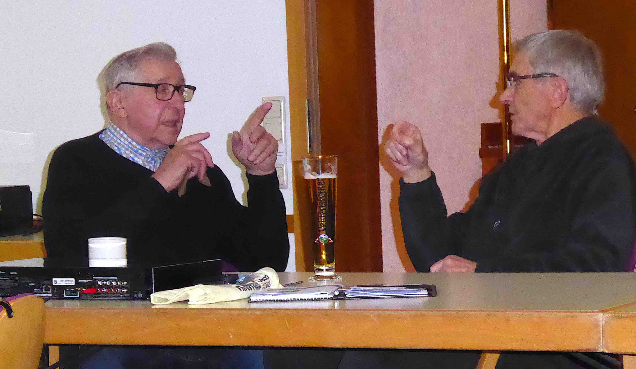Diskussion am Rande des Wettbewerbs.