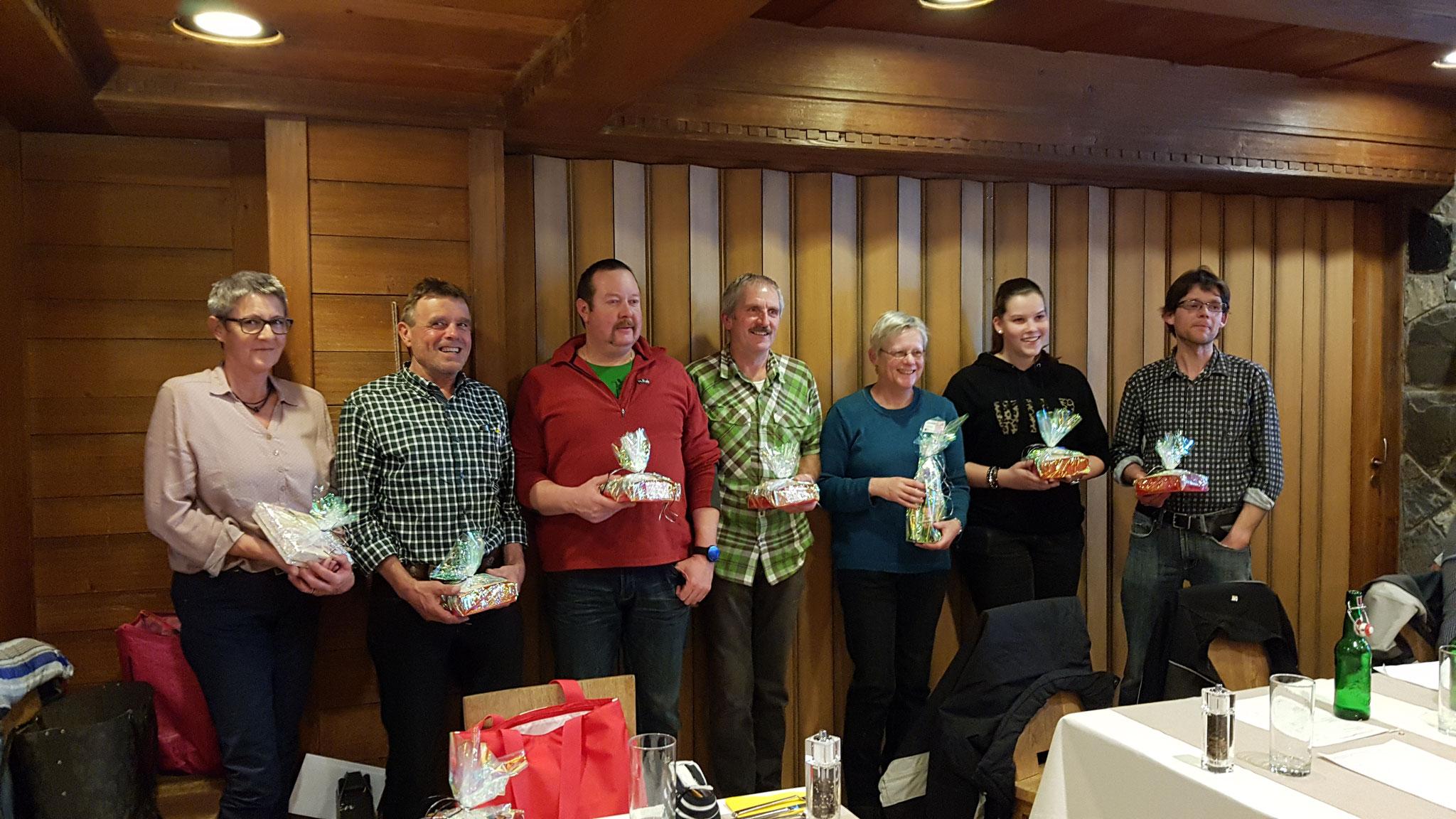 Unsere fleissigsten Probebesucher 2017 von links nach rechts: Margret Elmer, Tobis Rhyner, Reto Elmer, Balz Freitag, Lotti Schenker, Milena Freitag & Ruedi Freitag