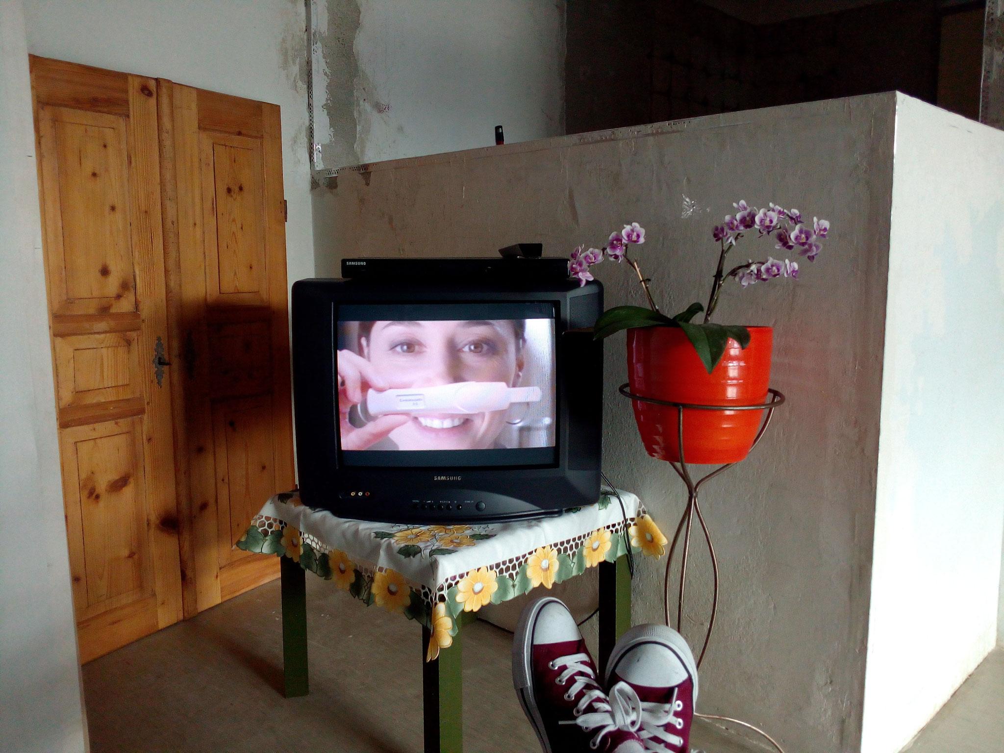 Wohnzimmerinstallation zum Thema Mutter