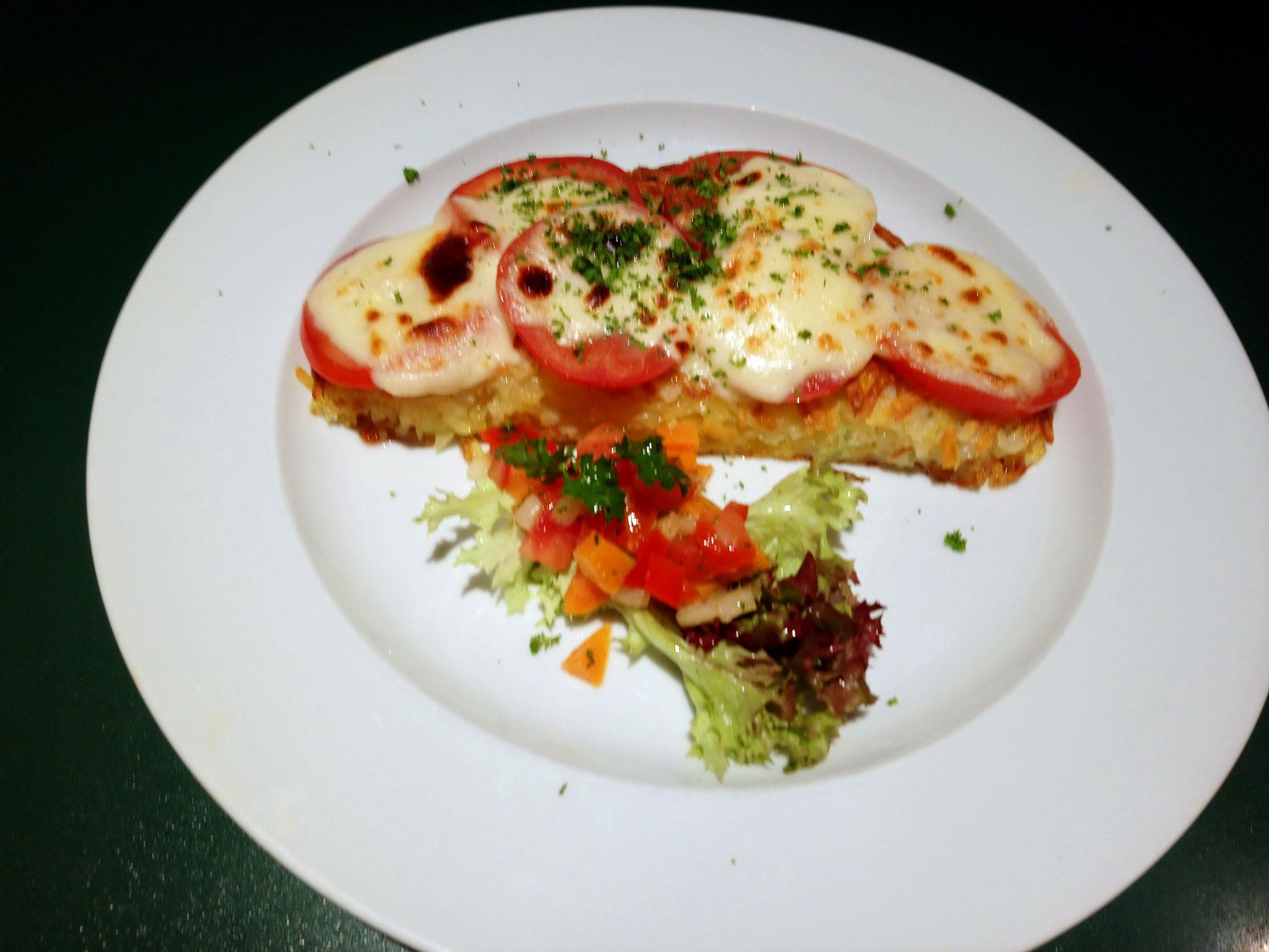 Röschti mit Tomate un Mozzarella