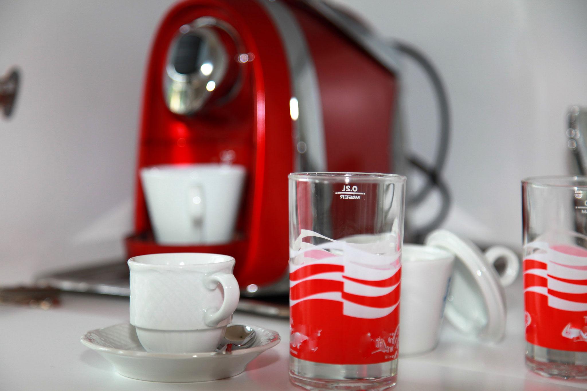 Getränkebar mit Kaffeemaschine