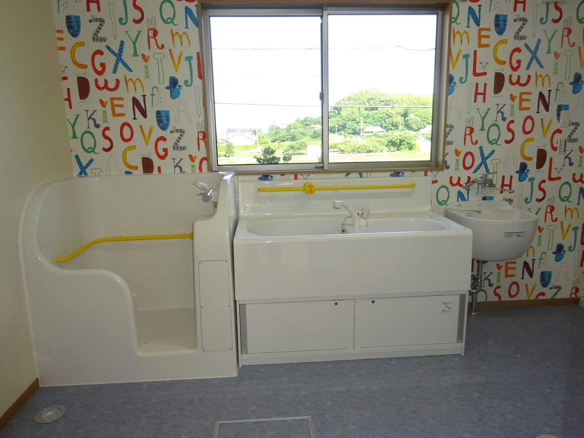 衛生的な幼児用洗面スペース