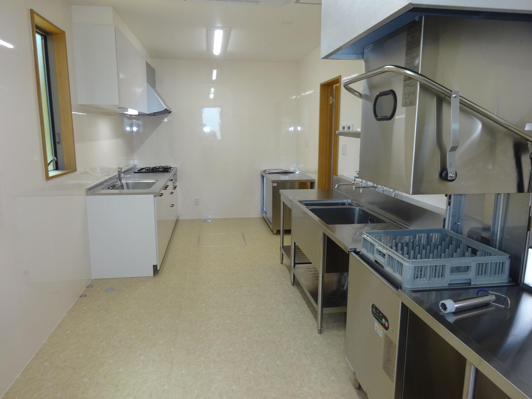 食の安全!安心安全で作業効率に優れた広い調理室