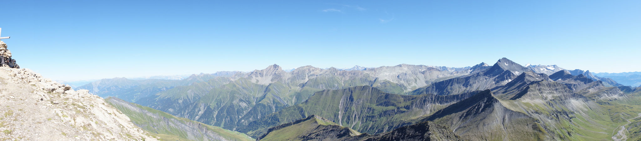 Piz Terri (grösster Gipfel rechts im Bild)