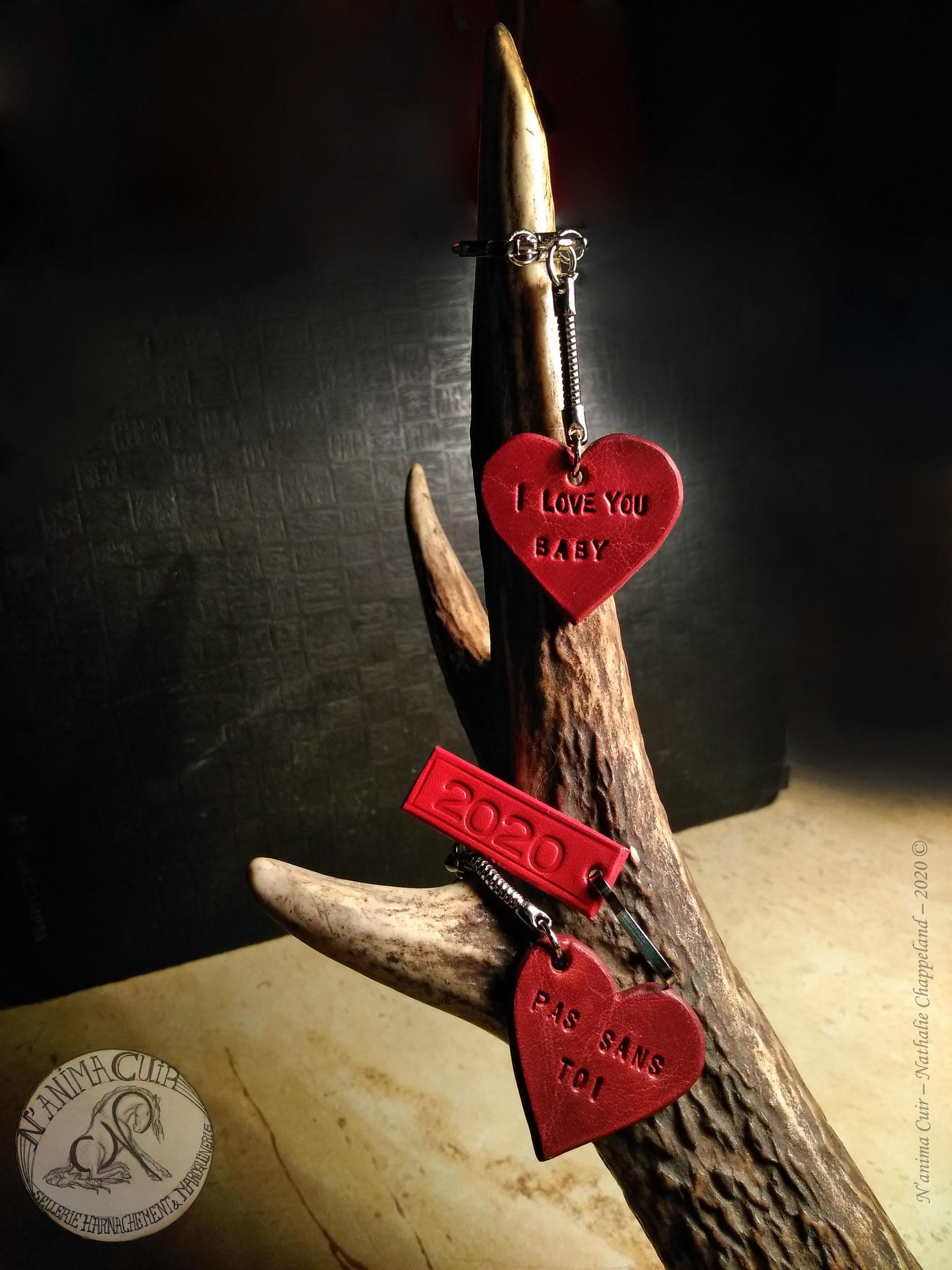 Porte-clés cuir personnalisés, N'anima Cuir 2020 © disponibles (1 exemplaire de chaque en stock) et disponibles sur commande (avec personnalisation)