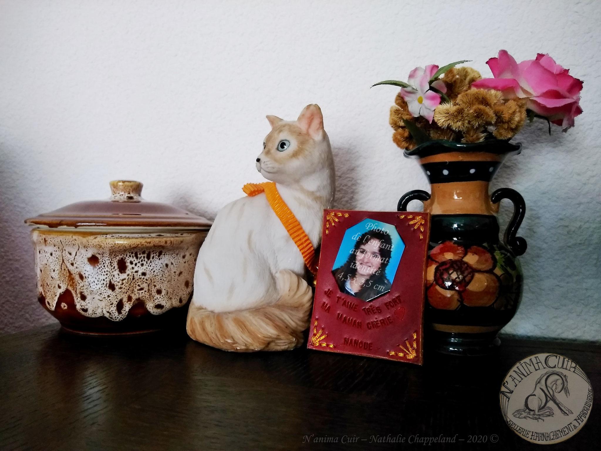 """support/encadrement cuir photo """"format identité"""" personnalisé - fête des mères / grand-mères - N'anima Cuir2020 ©"""