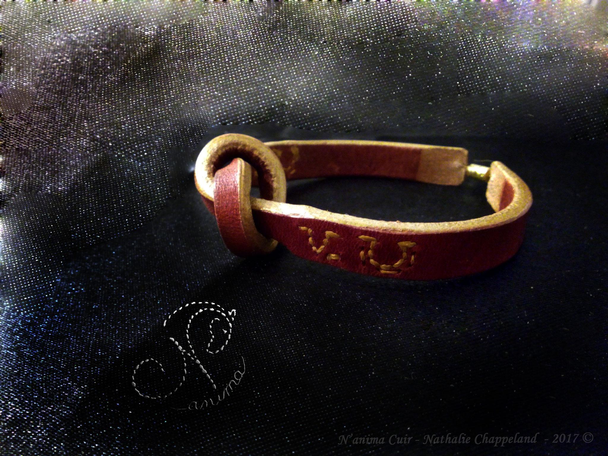 """bracelet """"nœud"""" personnalisé, fonçures main au point sellier, fermoir à visse, 2017 ©"""
