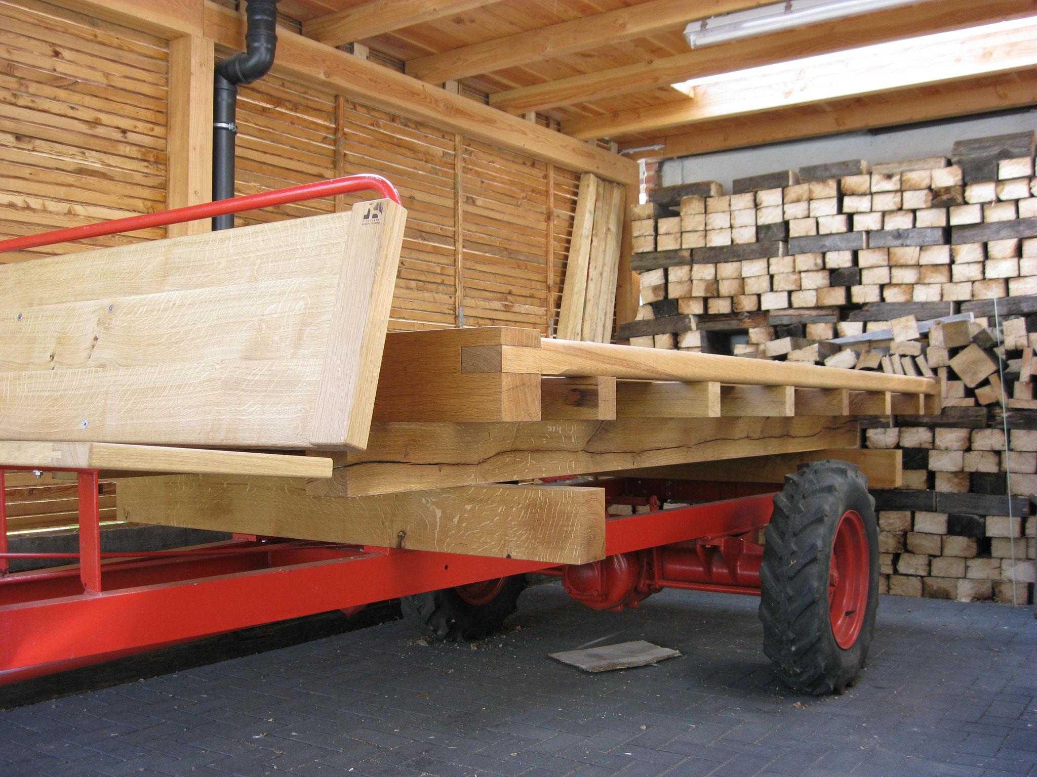Anhänger mit Holzauflieger
