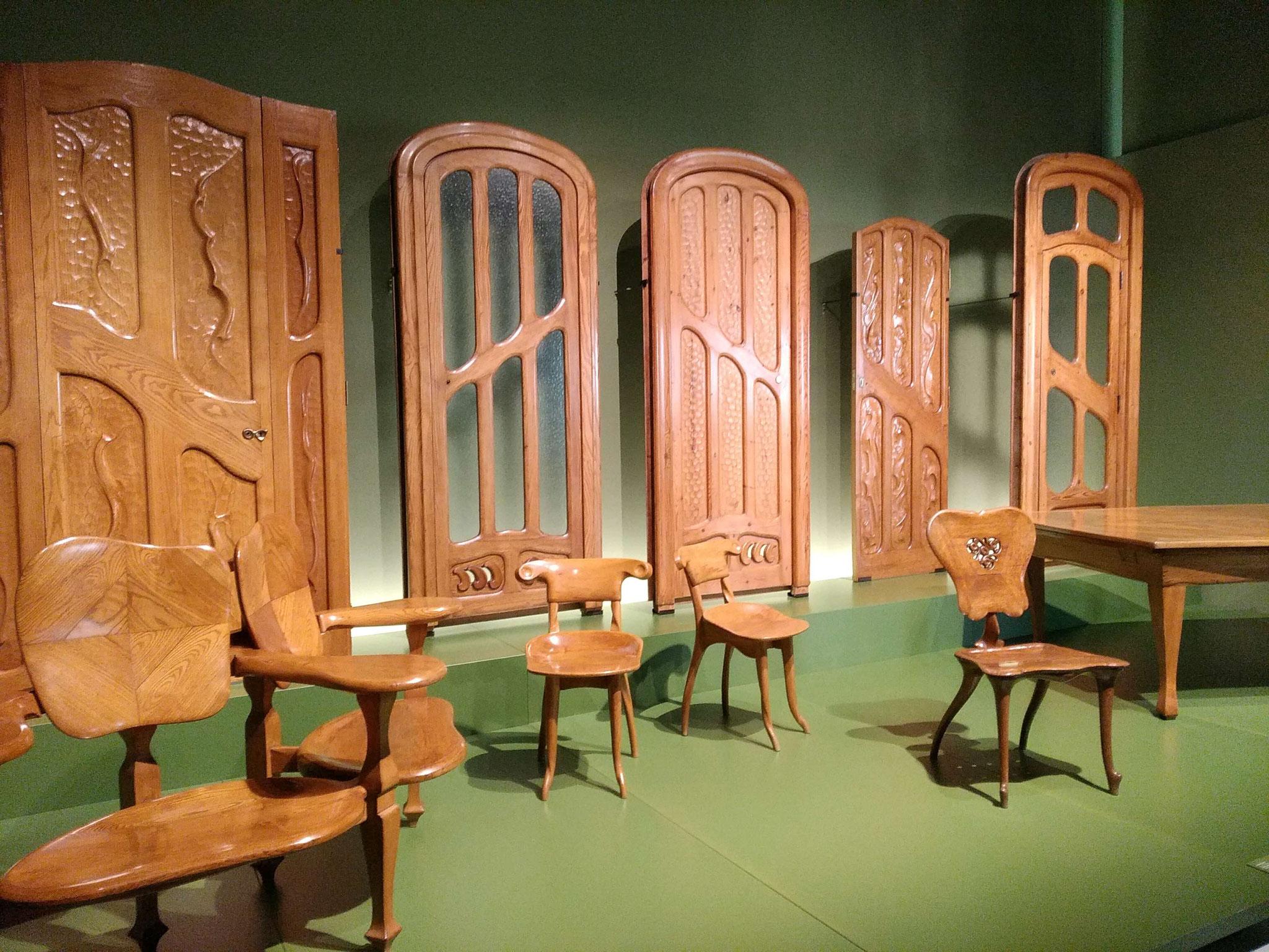 Mobiliari de Gaudí procedent de Casa Calvet i Casa Batlló
