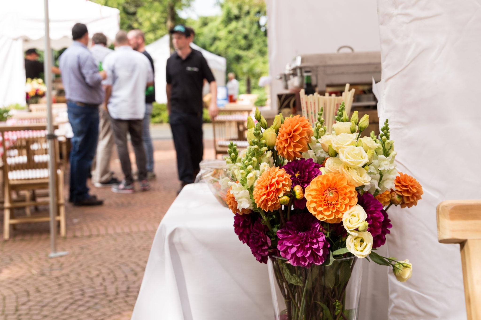 Tolle Blumen gehören auf jede Veranstaltung!