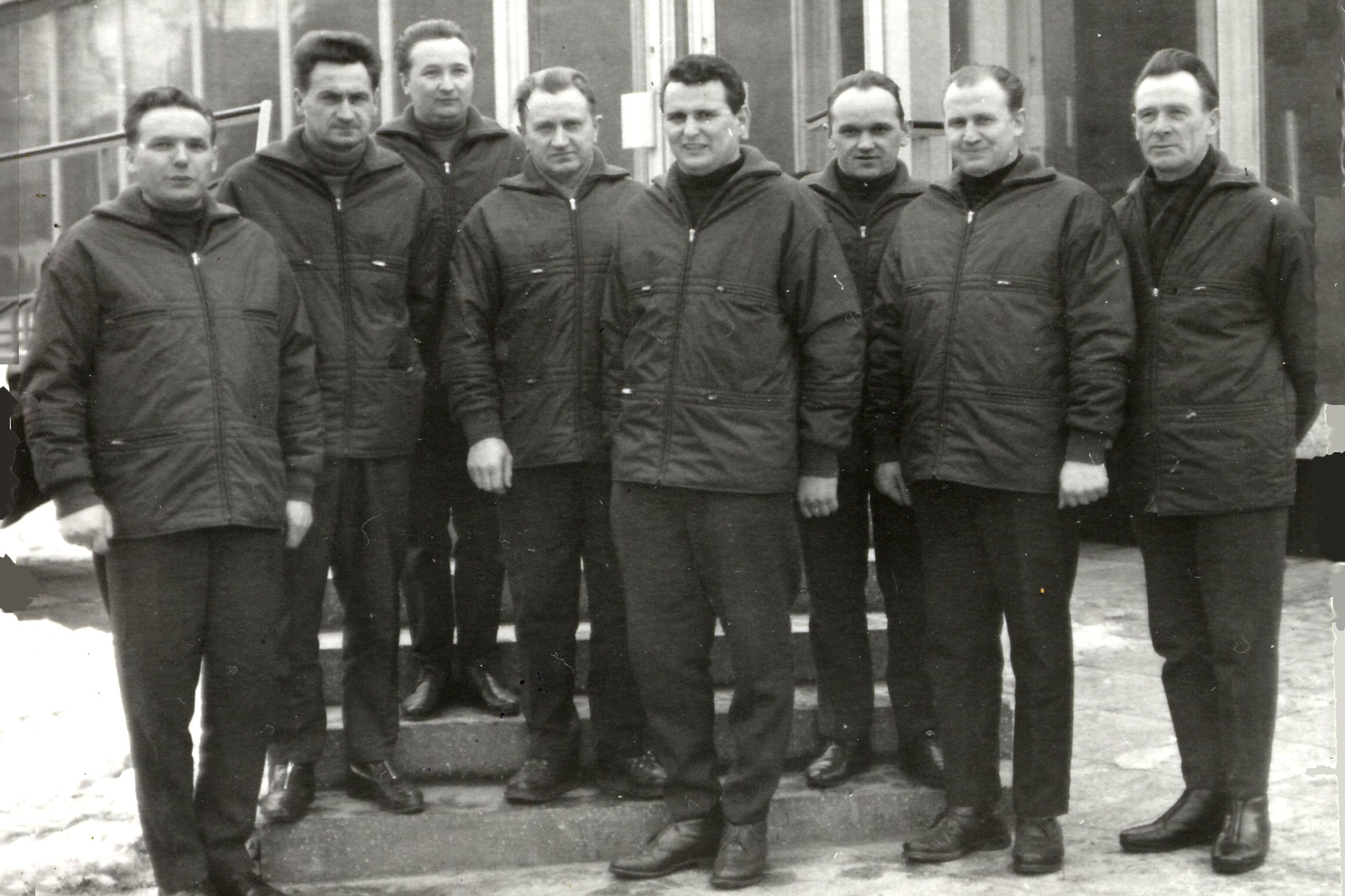 v.l.n.r. Kurt Otto, Günther Rüttinger, Wolfgang Strehlow, Kurt Rüdiger, Günter Bork, Egon Culmbacher, Günter Gries und Paul Thiel (Quelle: AWE Stiftung)