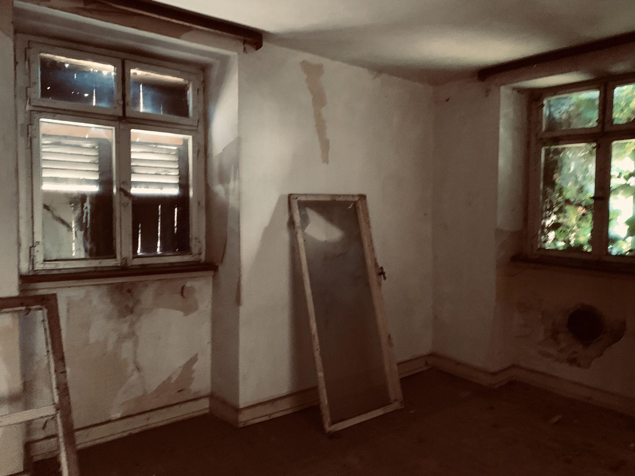 Zimmer im EG Wohnhaus