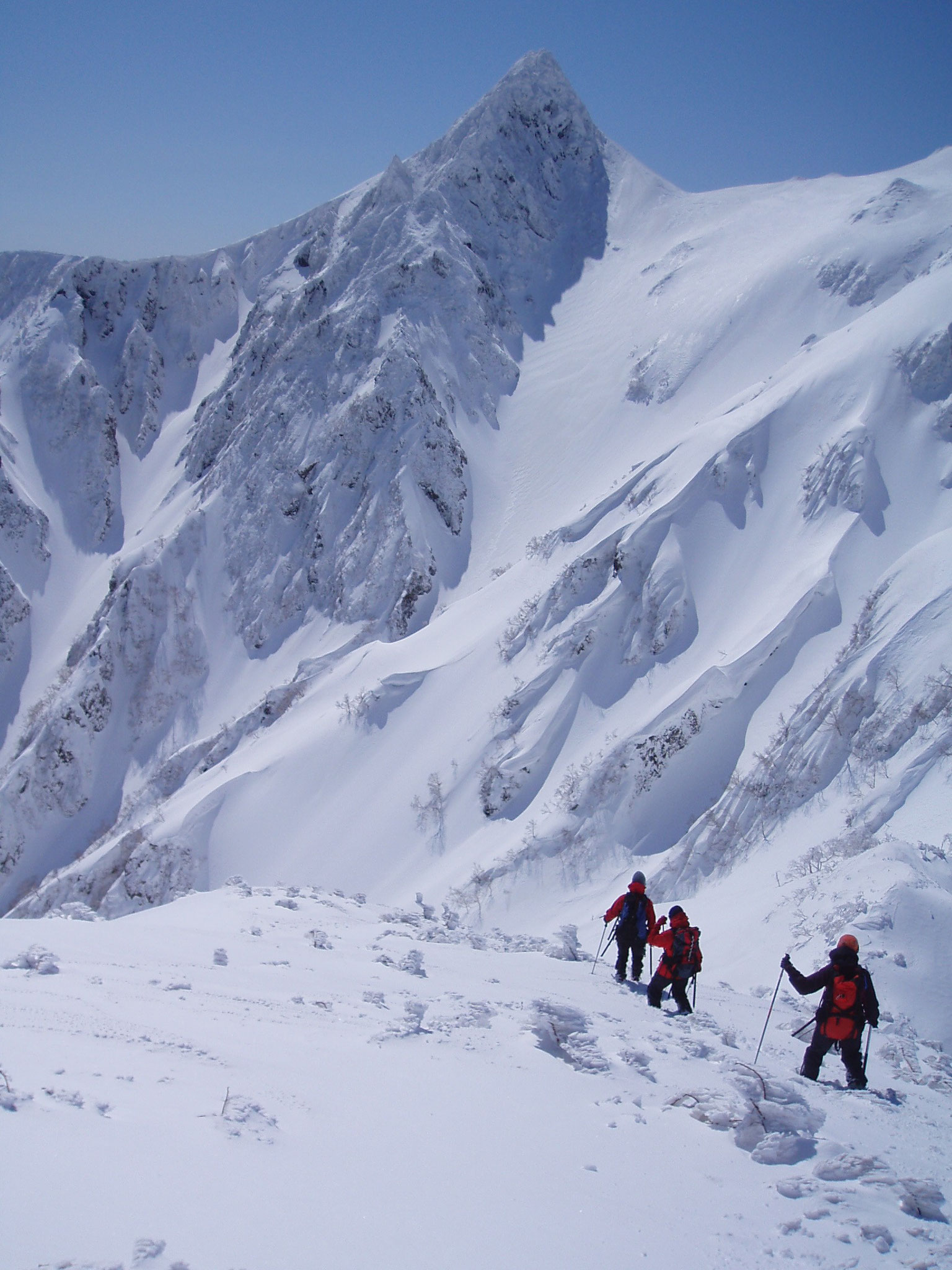 芦別岳北尾根上から 3月