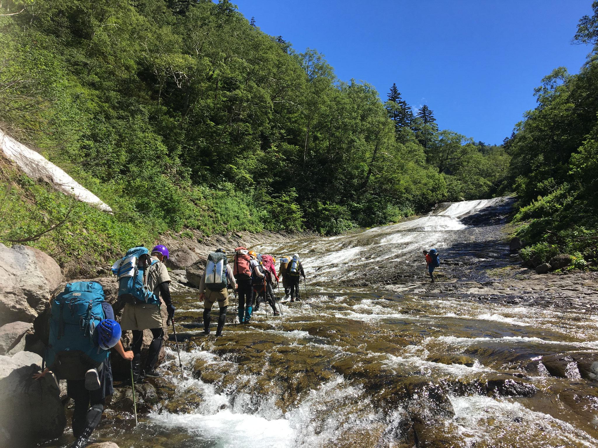 滝の瀬13丁 クワウンナイ川を遡行 7月