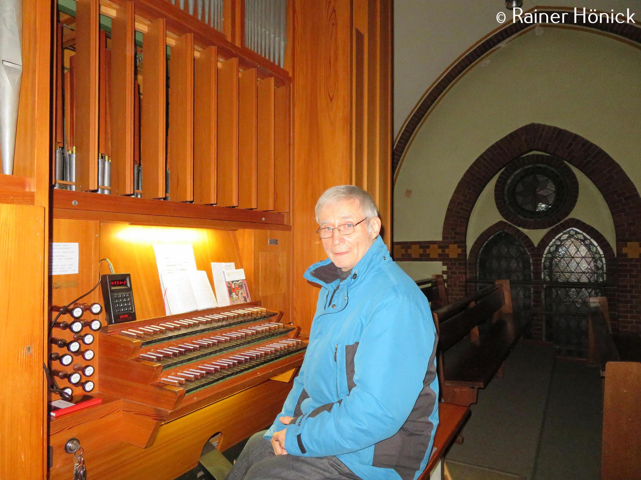 Organist Herr Peter Girus