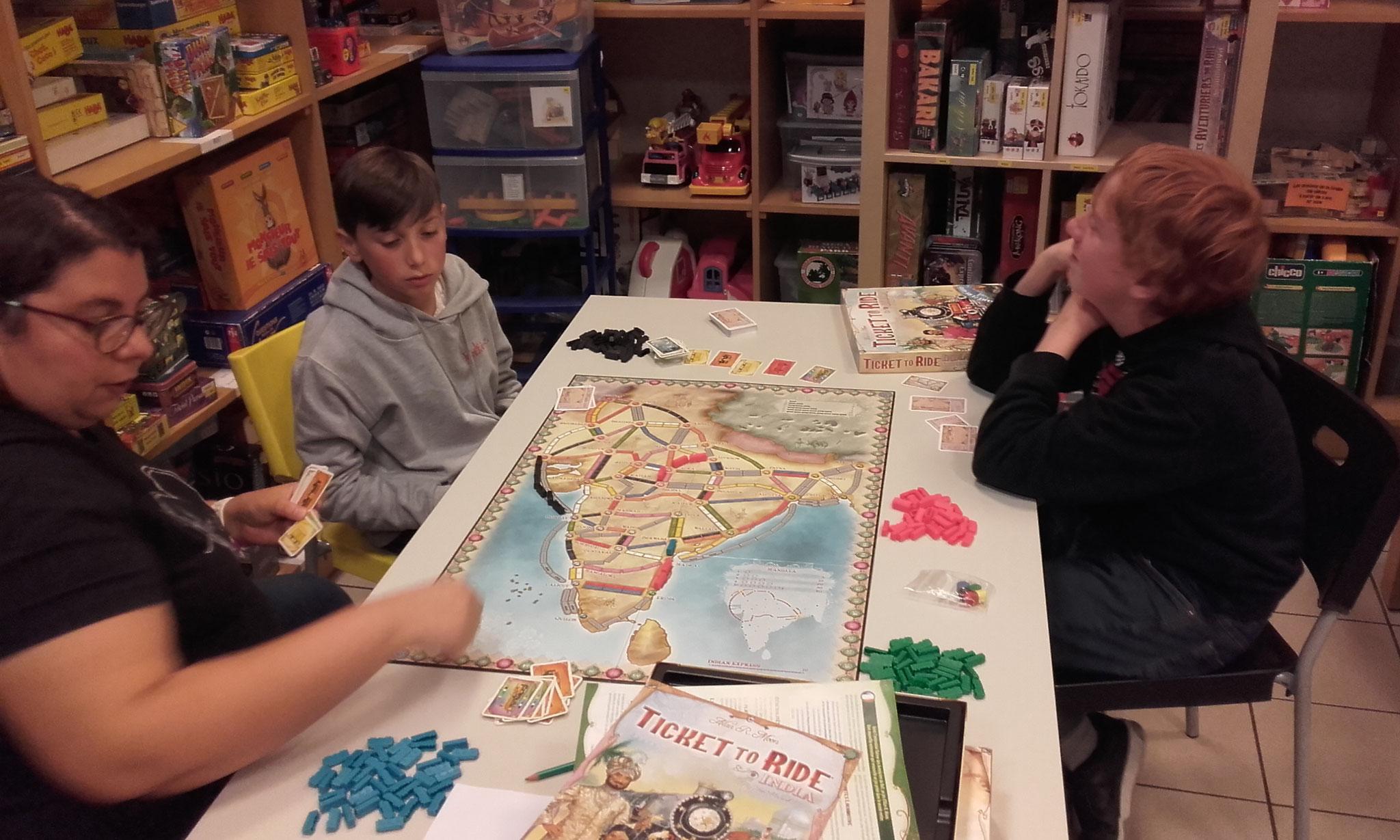 2e tour, table J : c'est parti pour l'Inde et ses boucles de mandalas