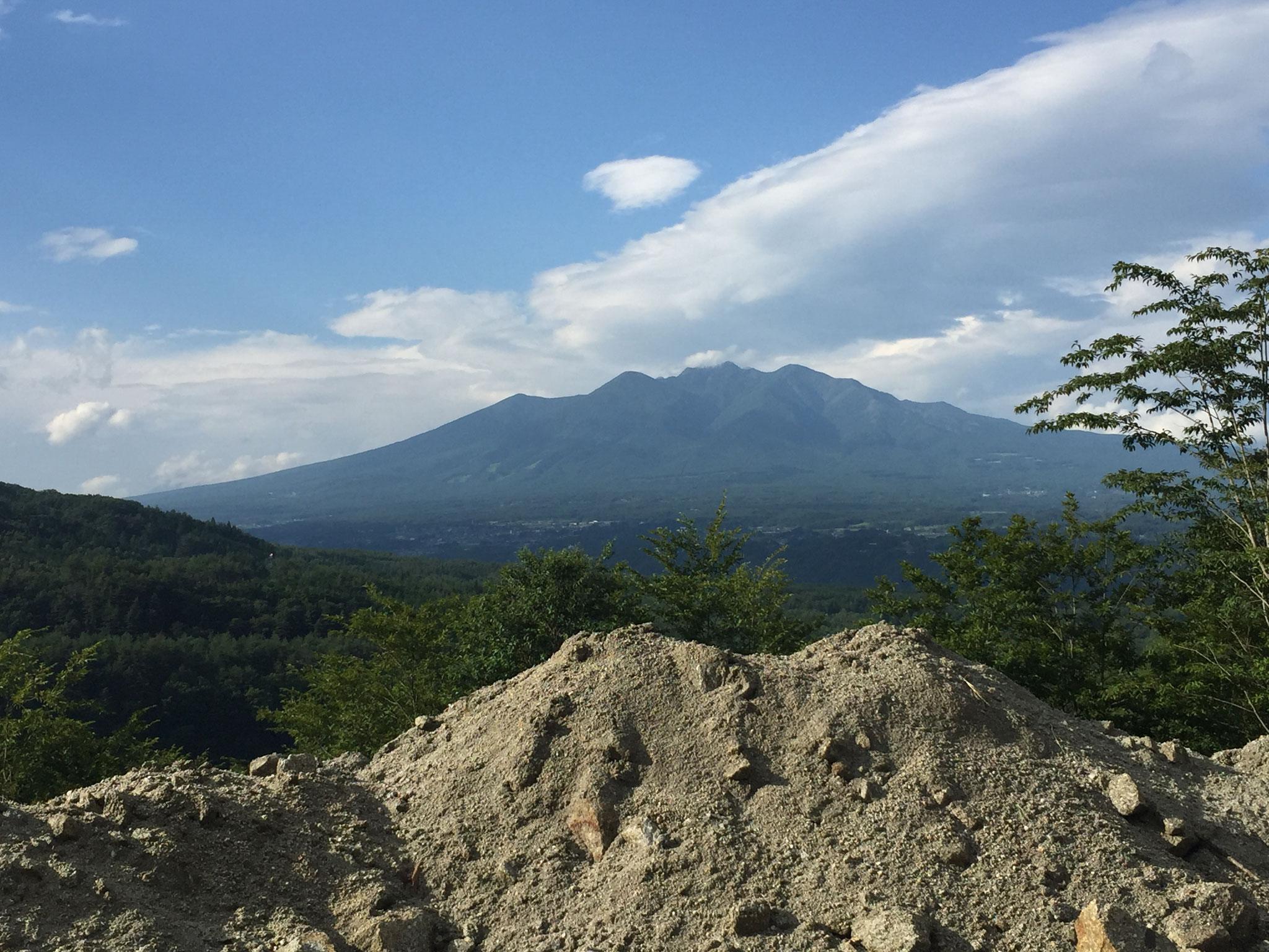 採石場 最上段部からみた八ヶ岳 その1