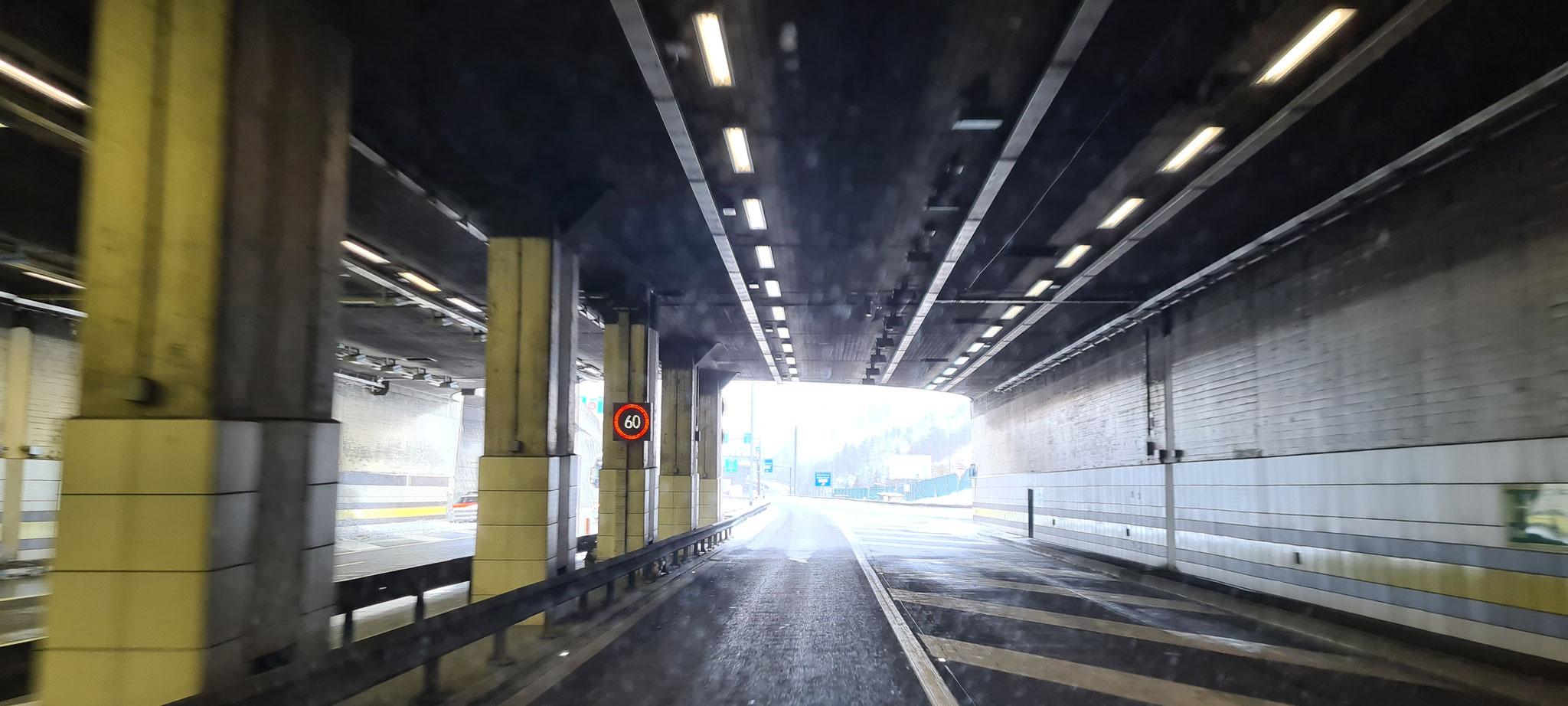 Raus aus dem Gotthard-Tunnel...