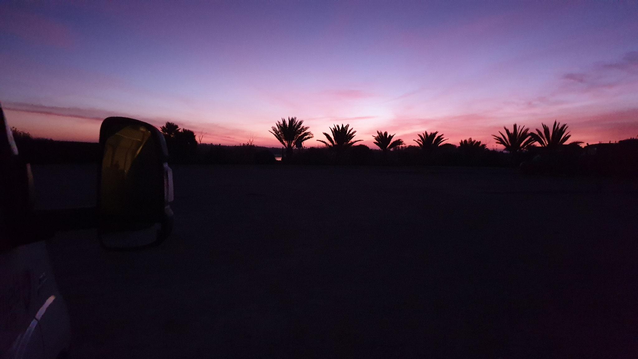 Wunderschöner Sonnenaufgang am Naturschutzgebiet