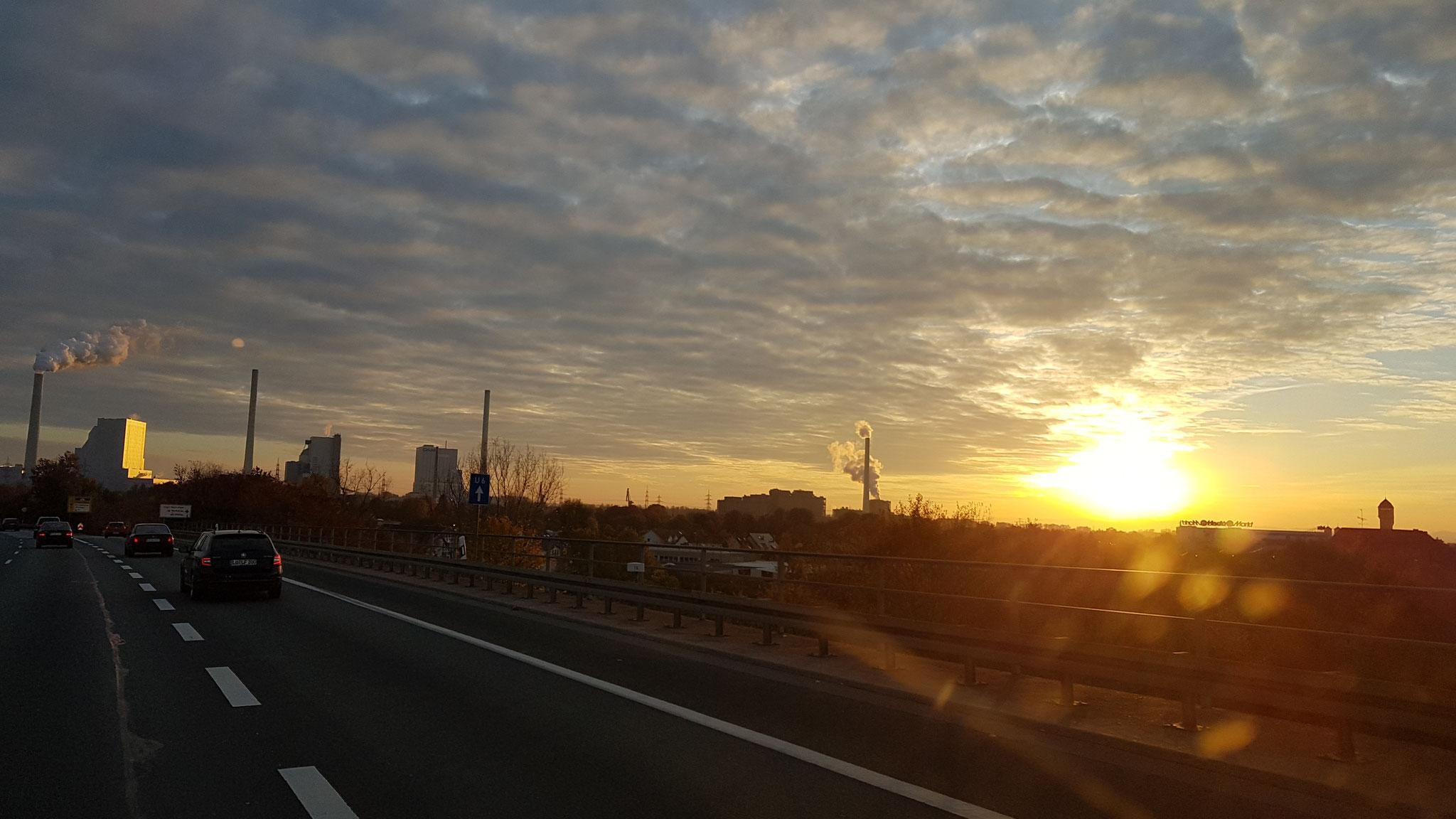 ...die Sonne geht langsam unter