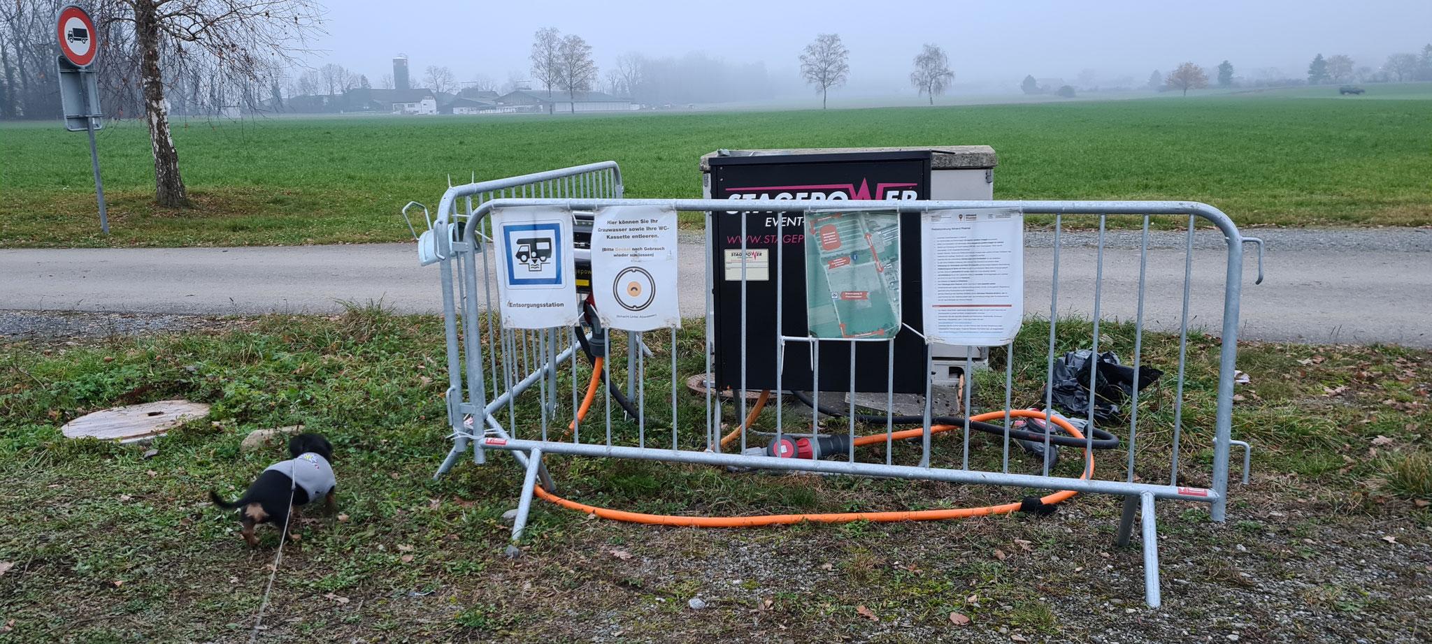 Sanistation für die Entsorgung. Das mit dem Wasser klären wir noch...