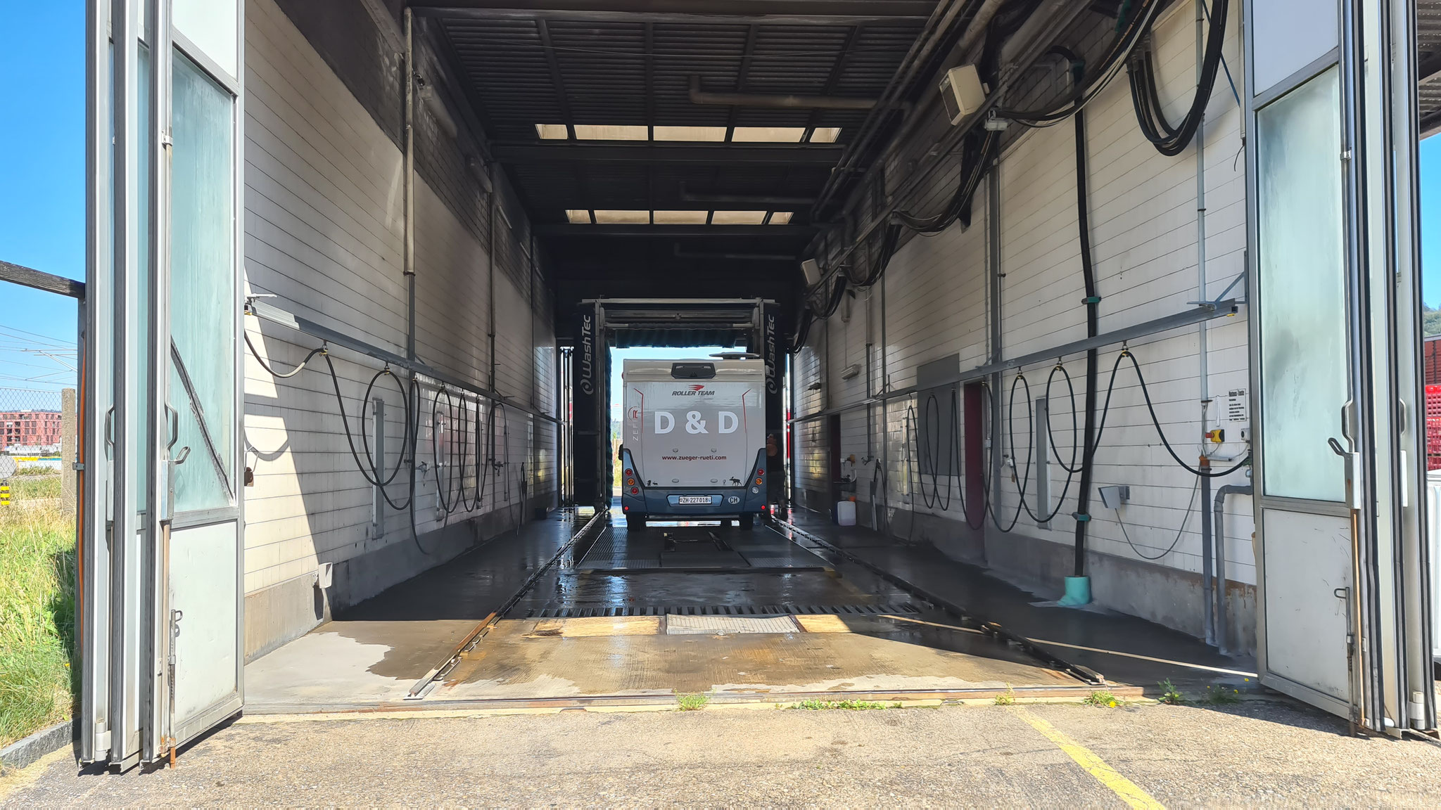 Ab zum 1st Truck Wash in Winterthur