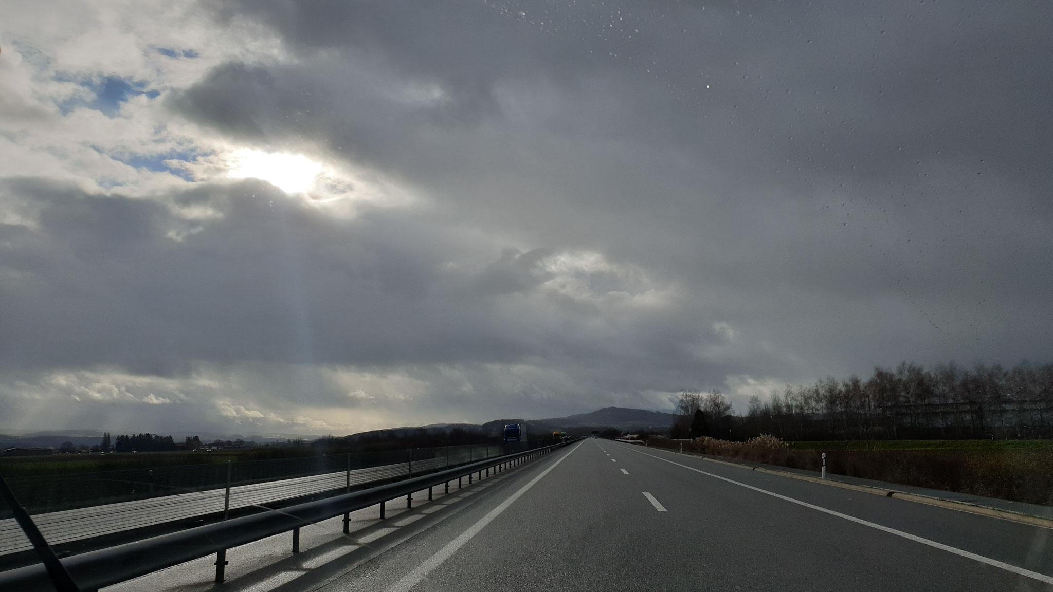 Immer wieder gibt es Wolkenfelder