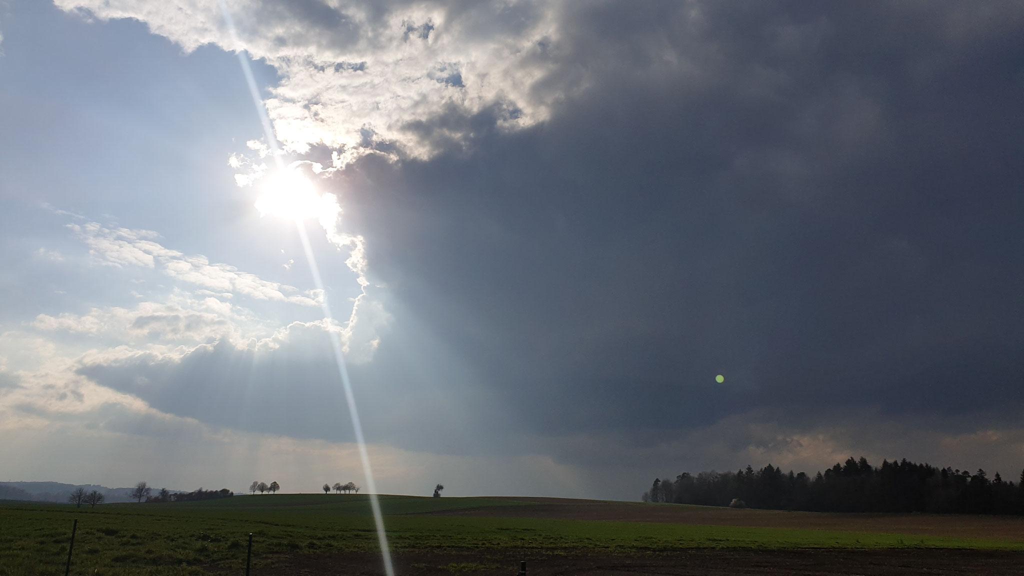 ...die Sonne ist stärker als die Wolken