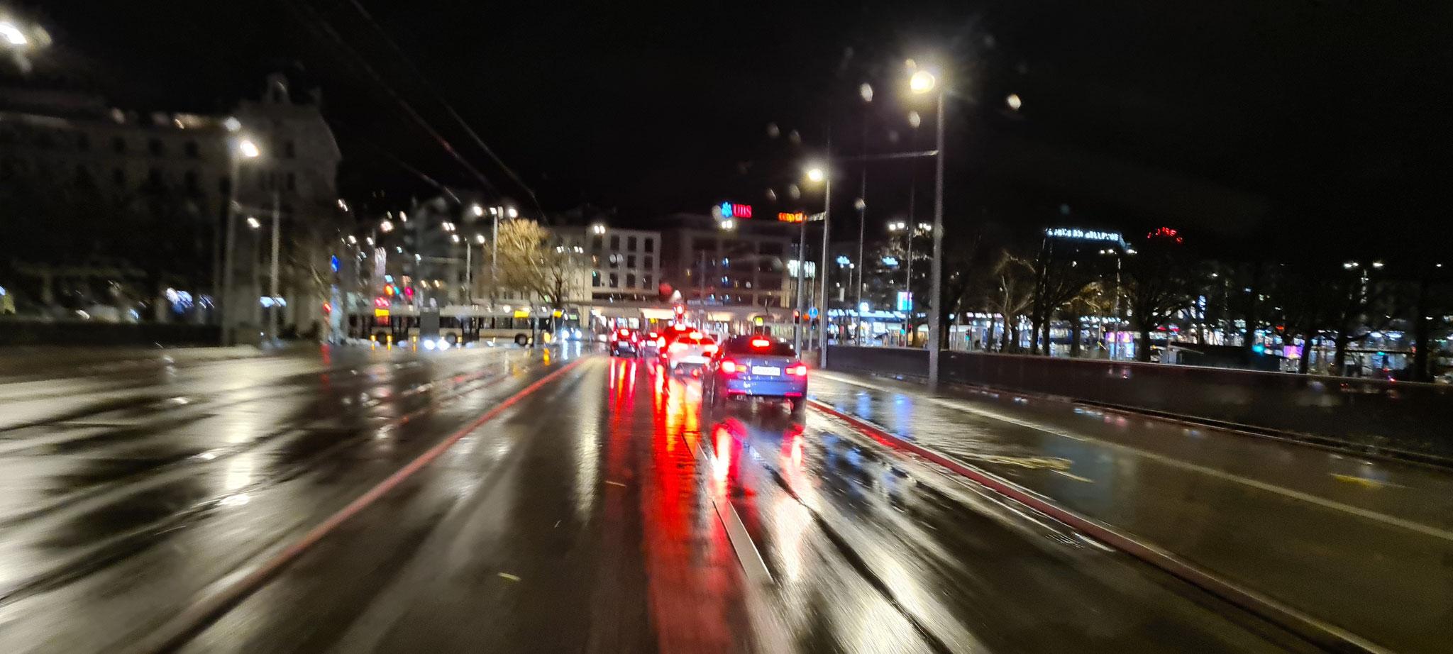 ...und in Zürich regnet und windet es ziemlich heftig