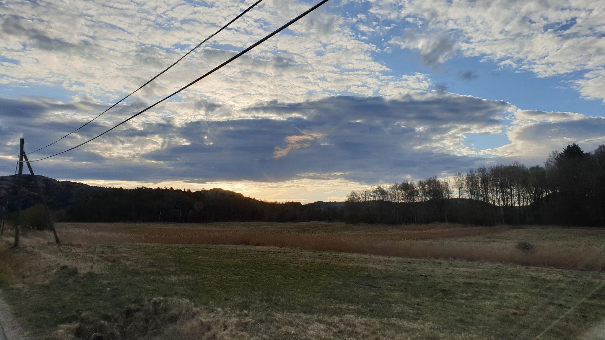 Die ersten Wolken...