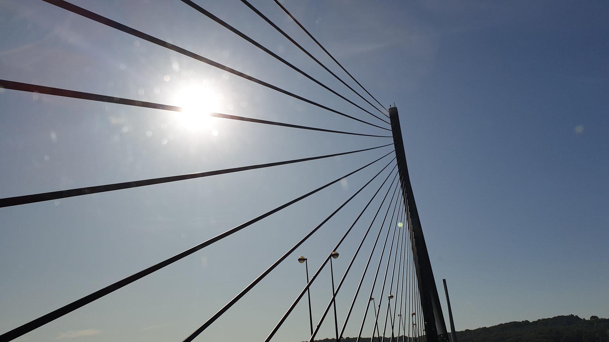 Eine weitere Brücke