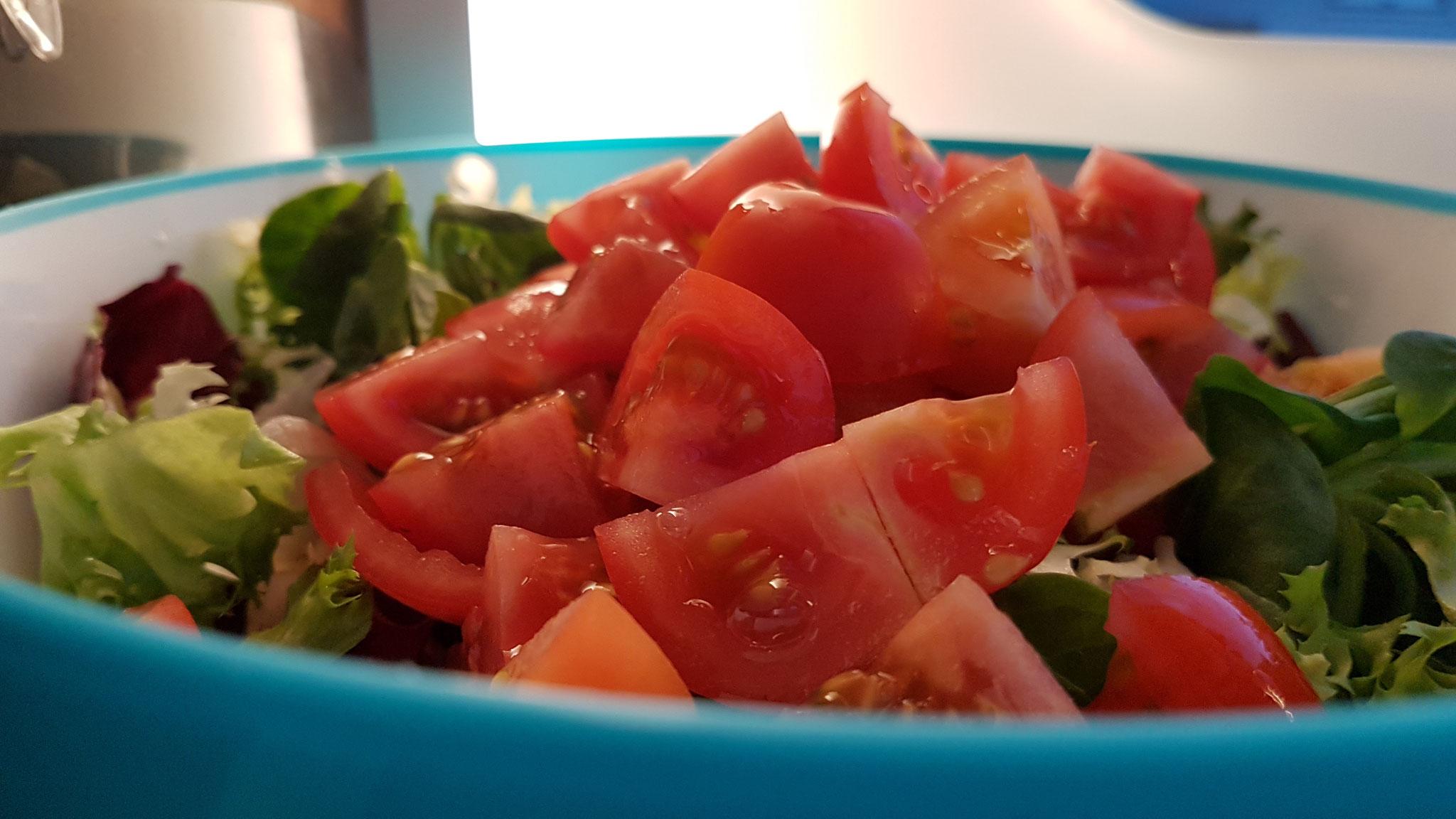 Ab Abend gibt es noch gesunden Salat...