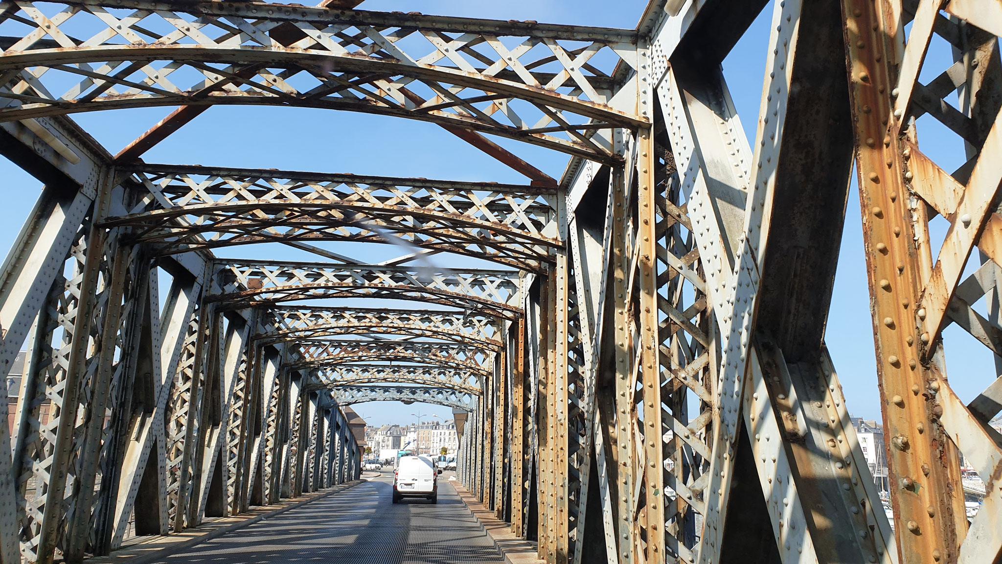 Diese Brücke kennen wir schon