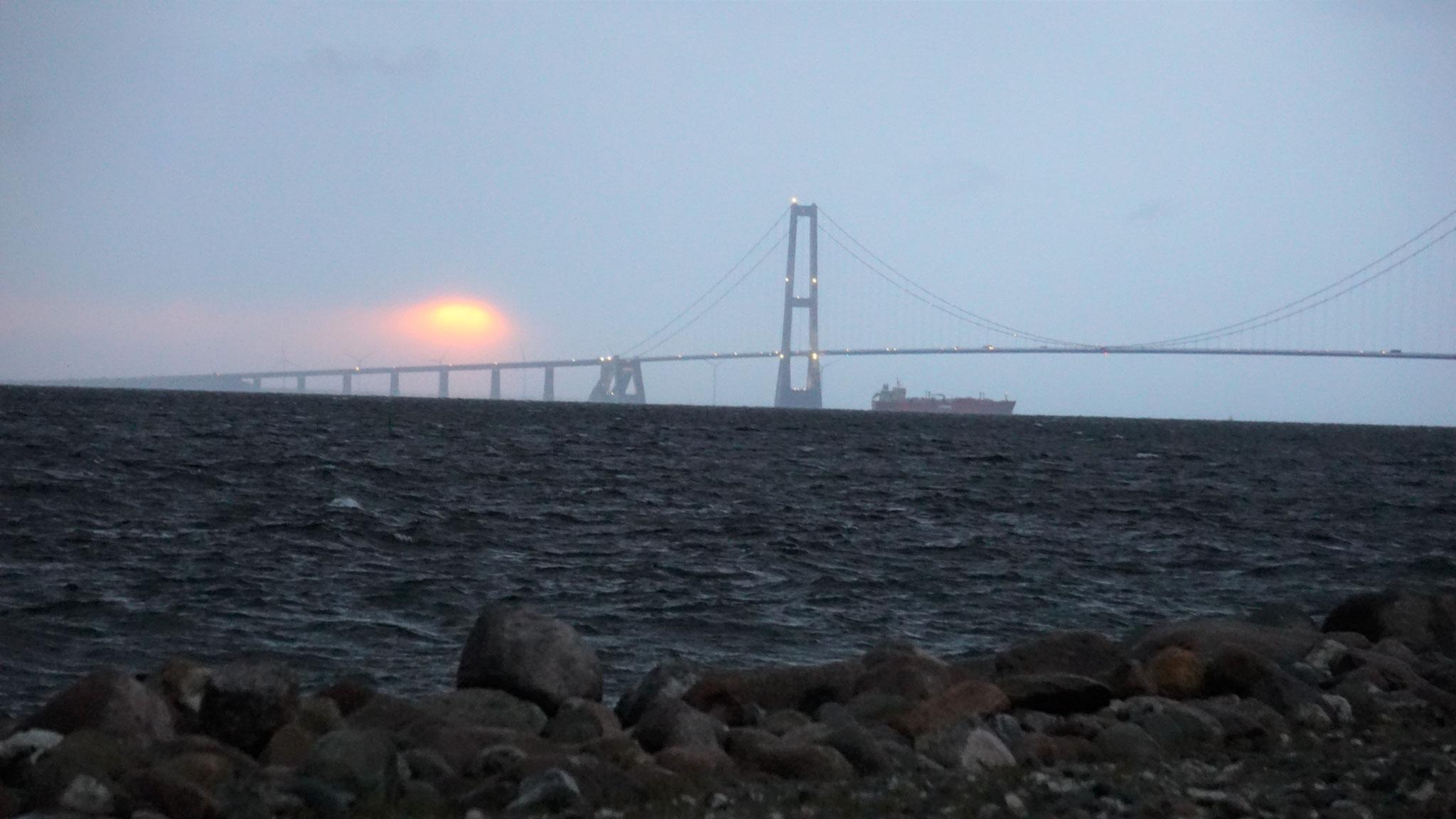 Rückblick auf die Brücke