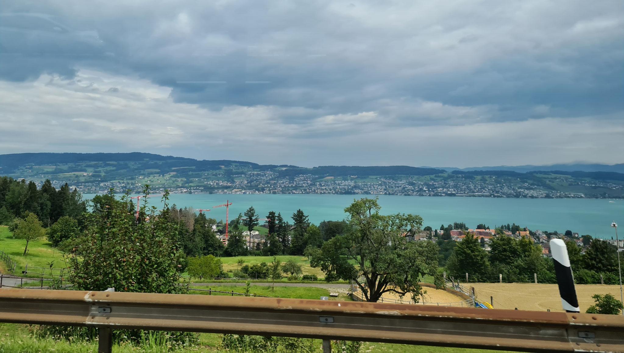 ...über dem Zürichsee