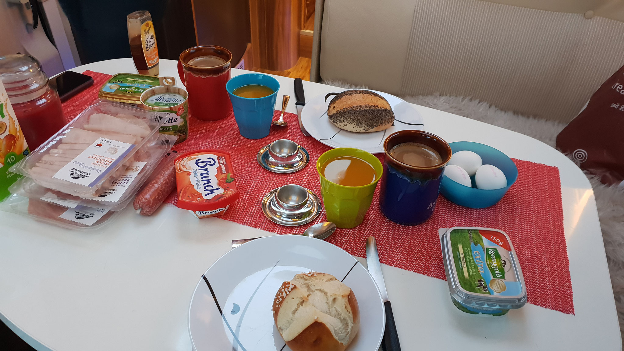 Zuerst einmal ausgiebig frühstücken
