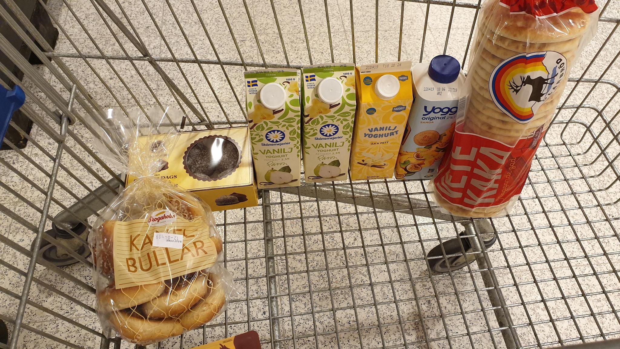 Birnenjoghurt und Zimtbullar...
