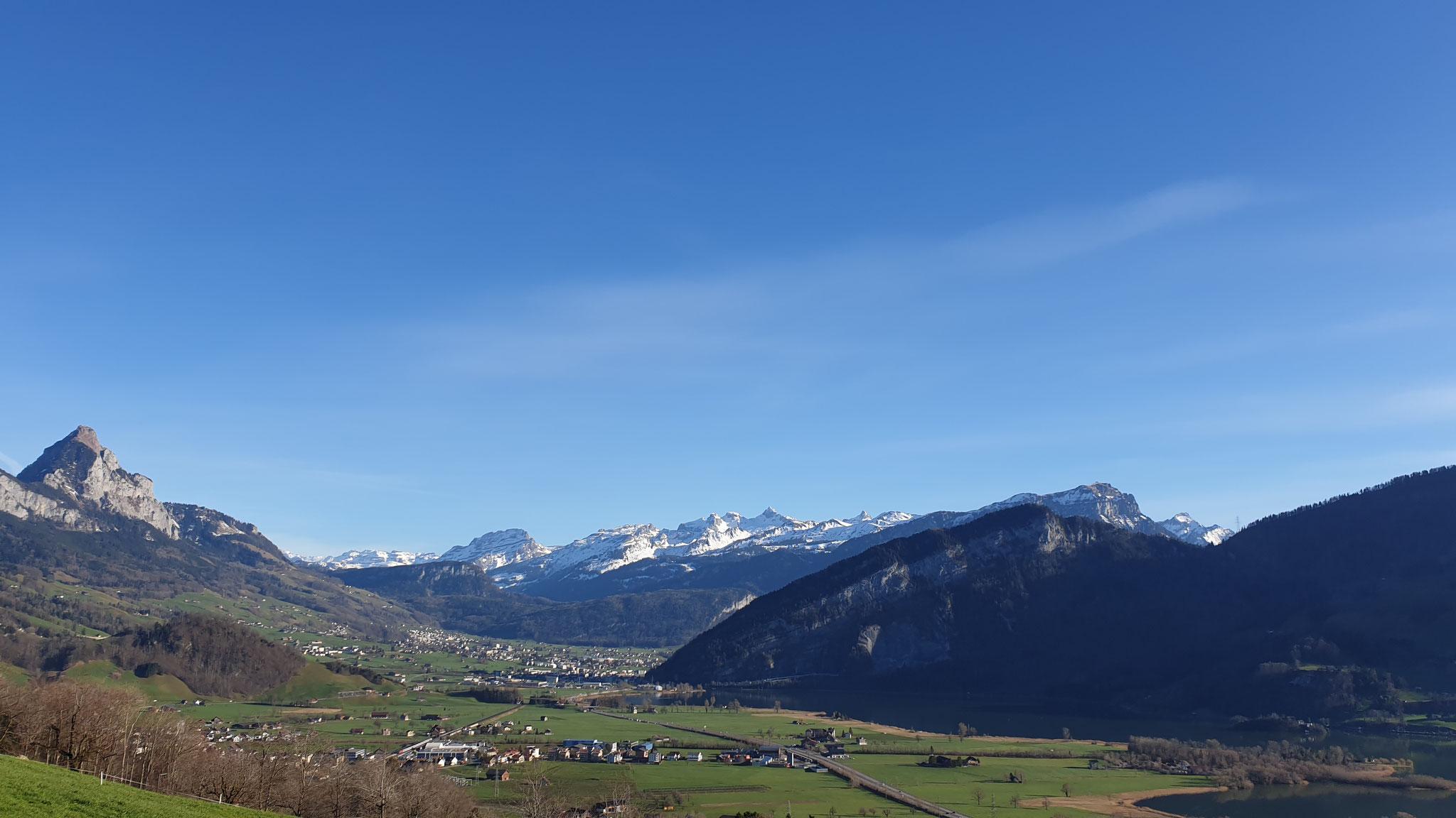 Kein Schnee mehr auf den Bergen