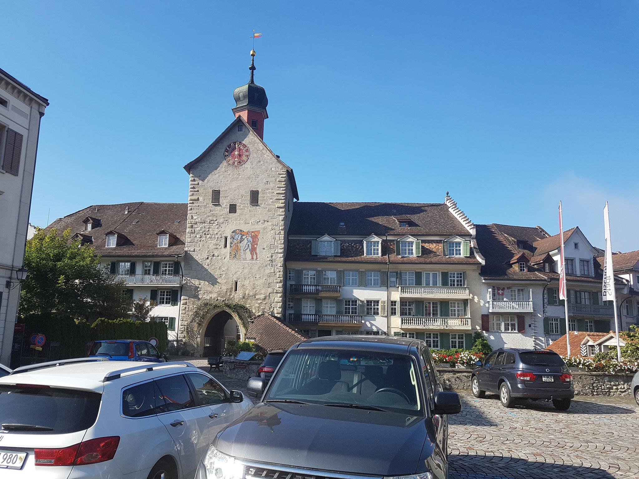 In der Schweiz werden wir mit blauem Himmel begrüsst