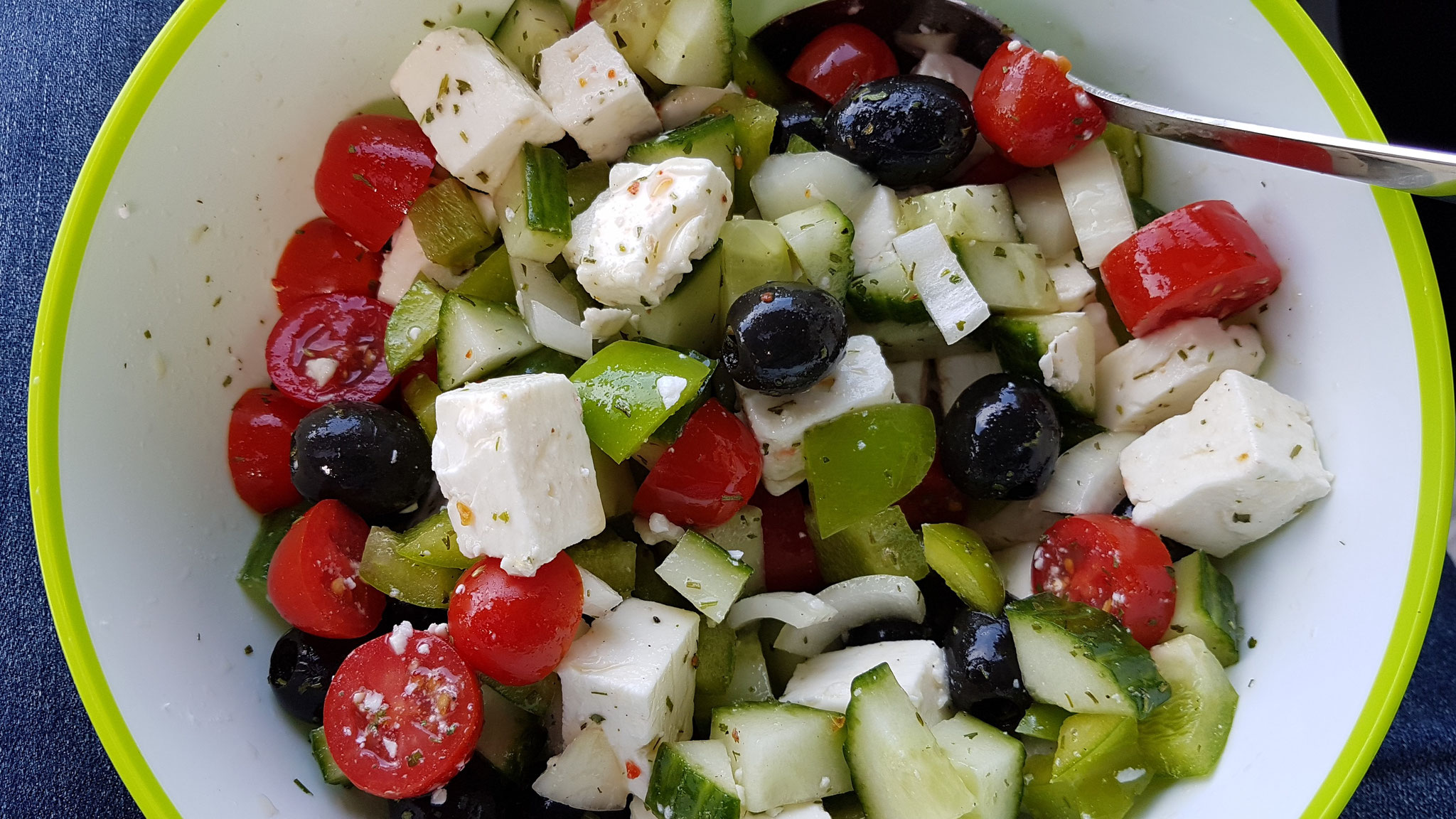Griechischer Salat unterwegs