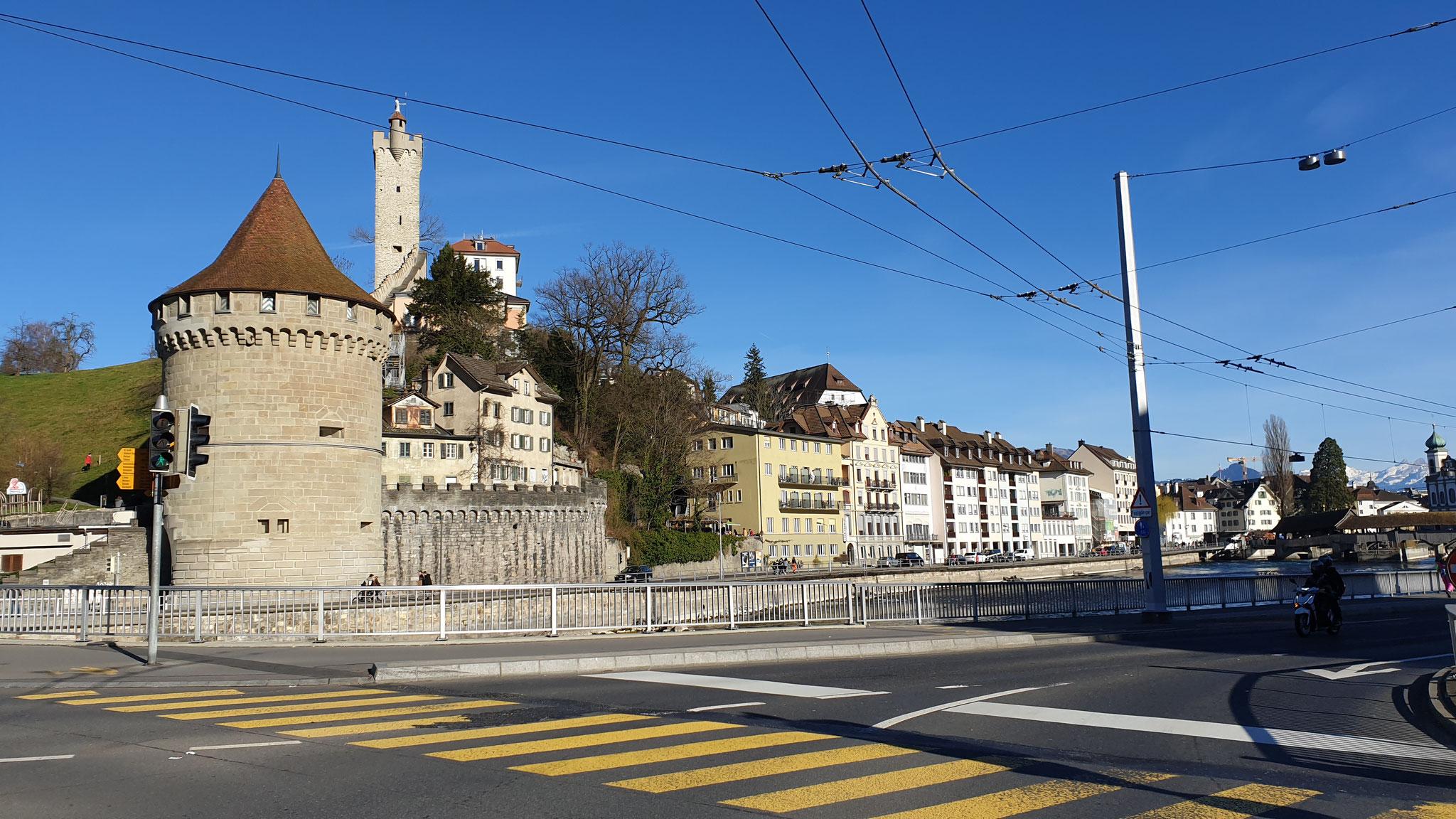 Luzern ausweichen während der Fasnacht - ganz wichtig!